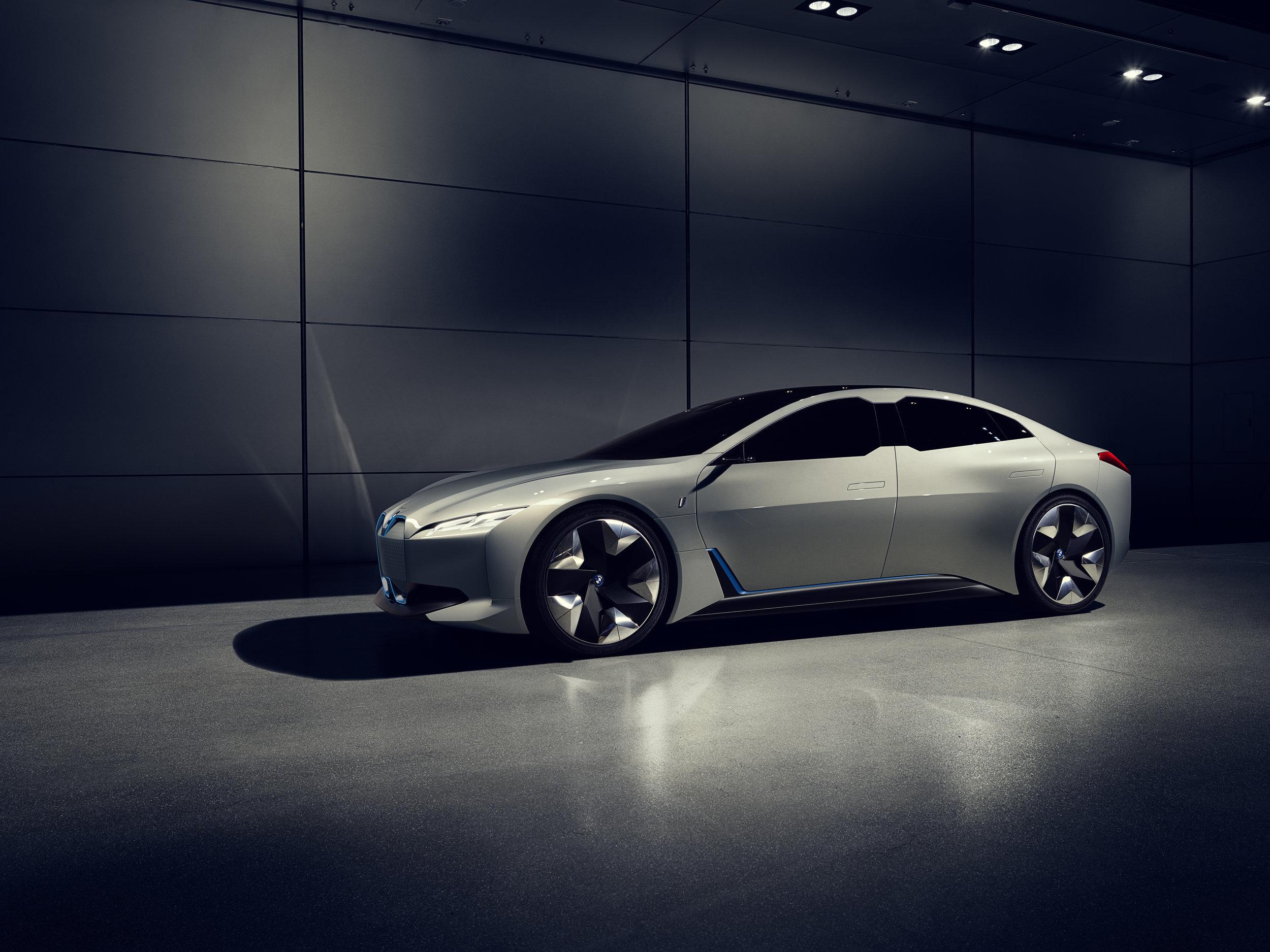 BMW_i_Vision_Dynamics_Real_V2_005.jpg