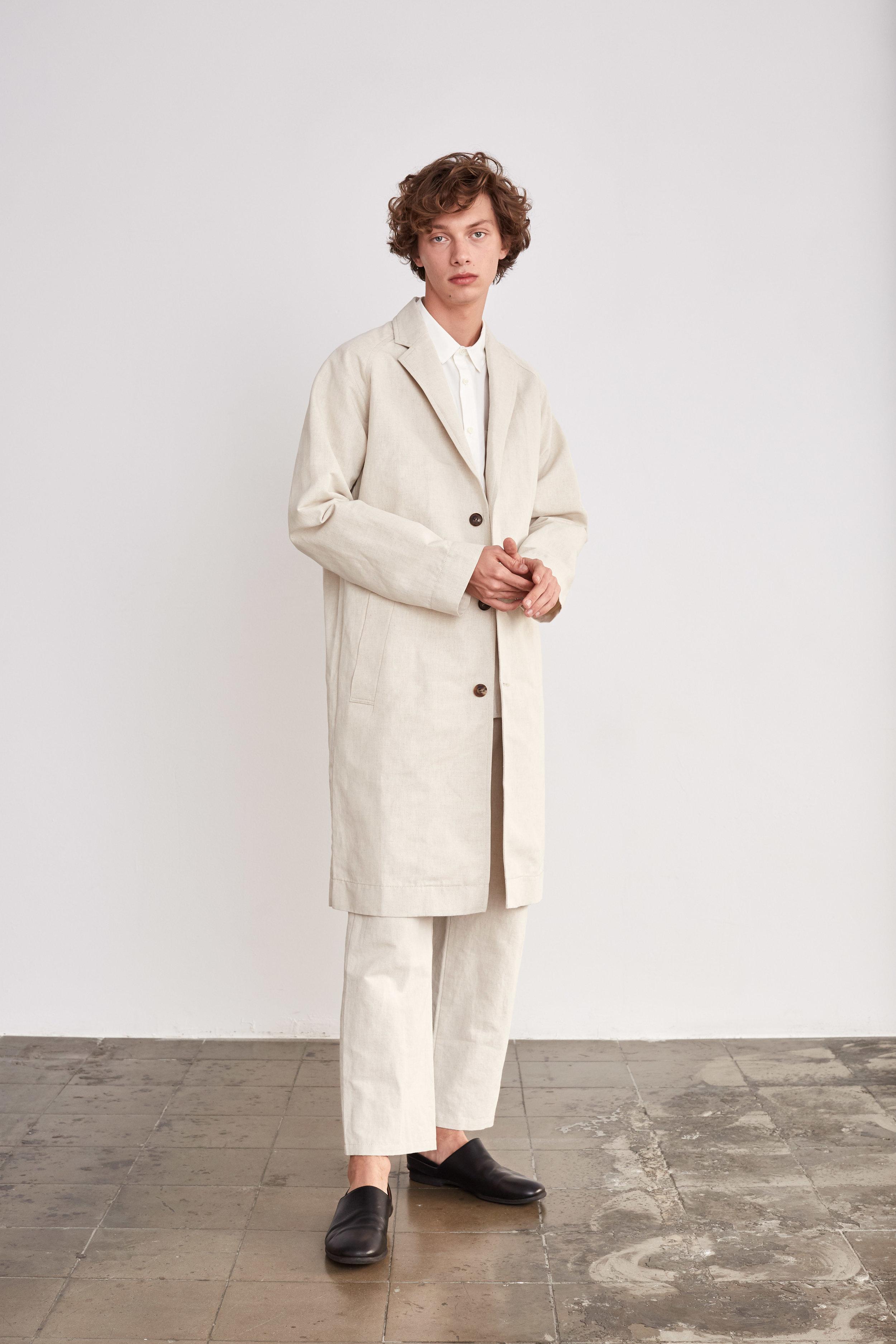 <b>1</b><br>Victor Typewriter Shirt<br>Antonio Denim Pants<br>Donald Denim Coat