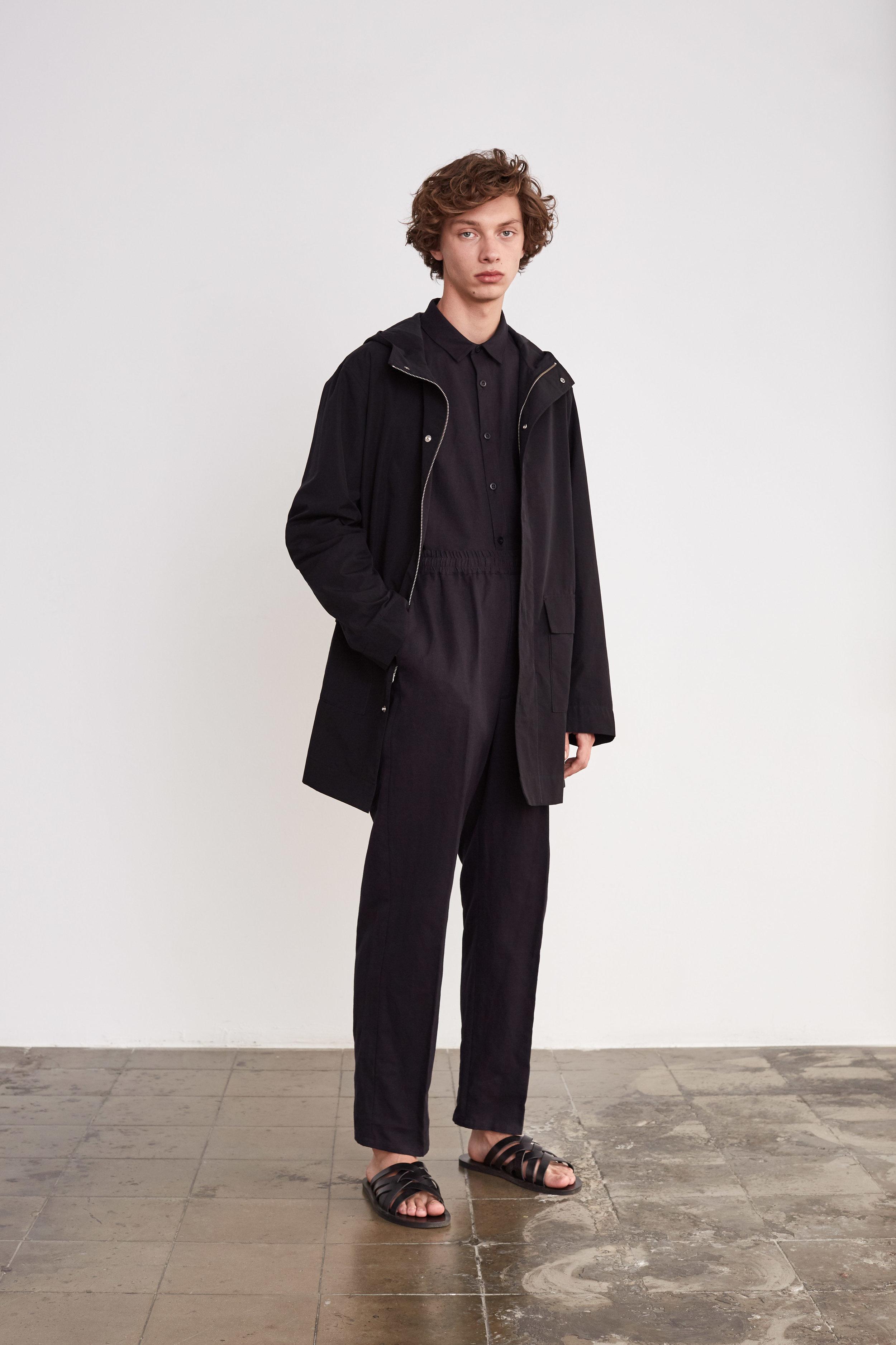 <b>8</b><br>Dylan Cotton/Nylon Jacket<br>Victor Herringbone Shirt<br>Felix Herringbone Pants