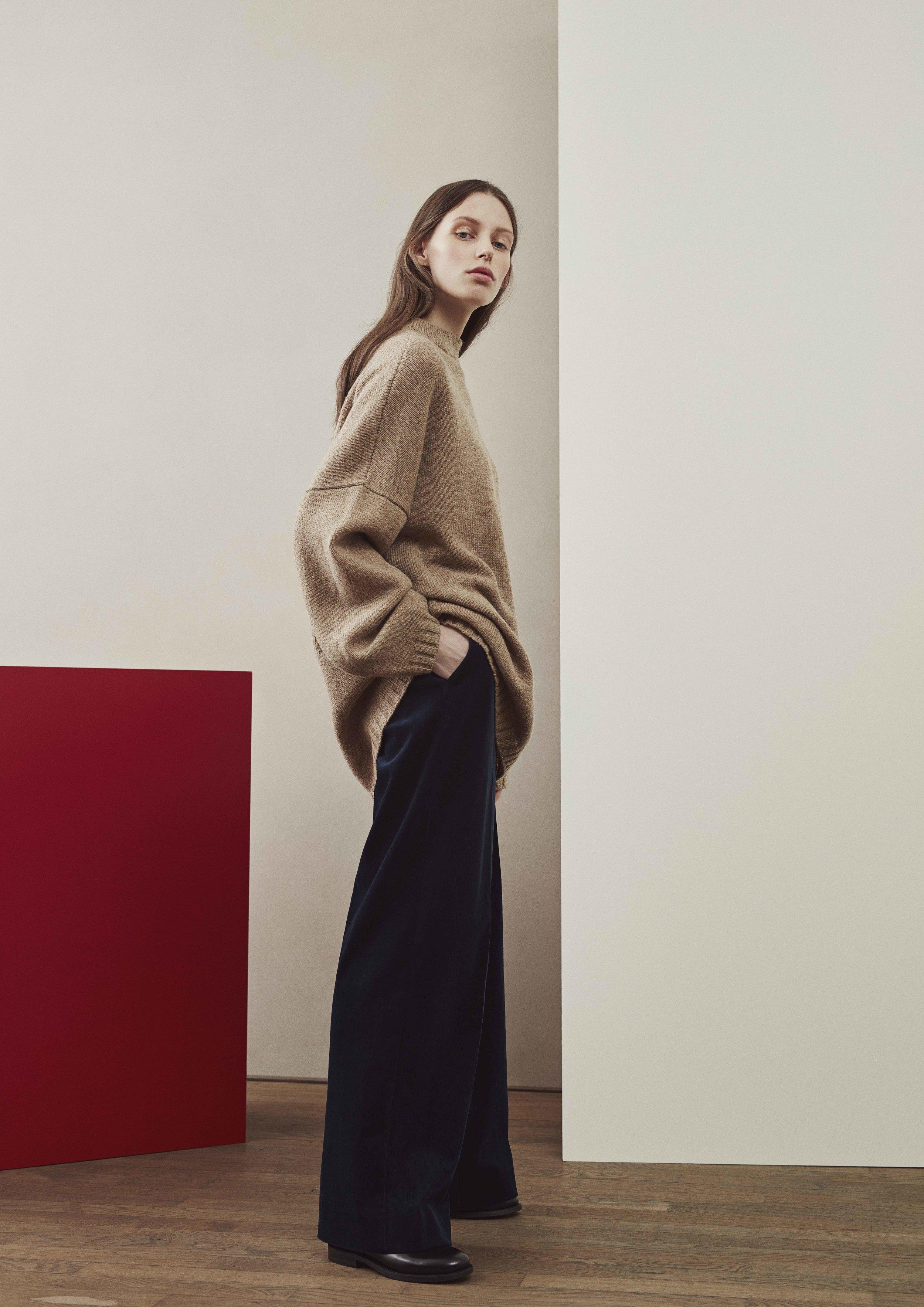 <b>5</b><br>Irene Shetland Wool Sweater<br>Helena Corduroy Pants