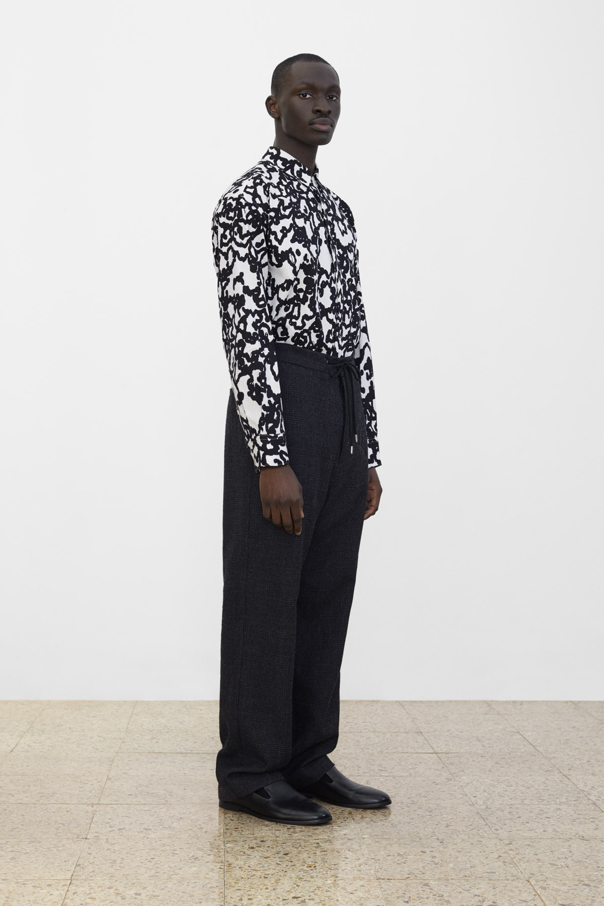 <b>11</b><br>Helmut Printed Shirt<br>Hakon Checked Wool Pants