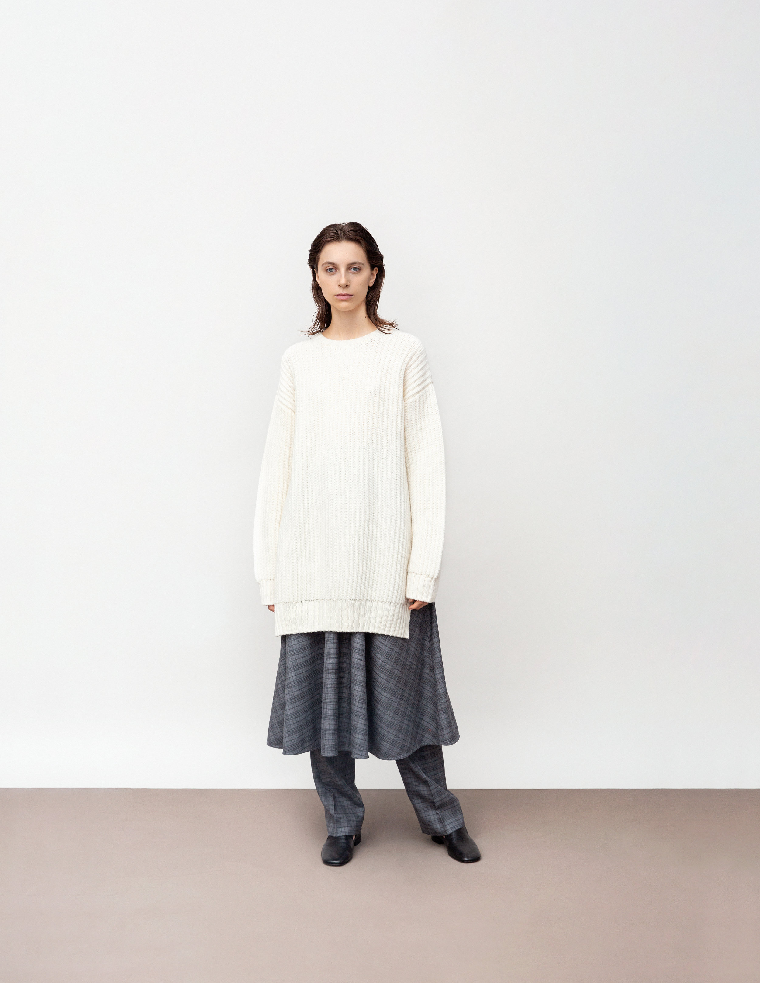 <b>7</b><br>Florence wool top<br>Indiana wool check skirt<br>Harlow wool check pants