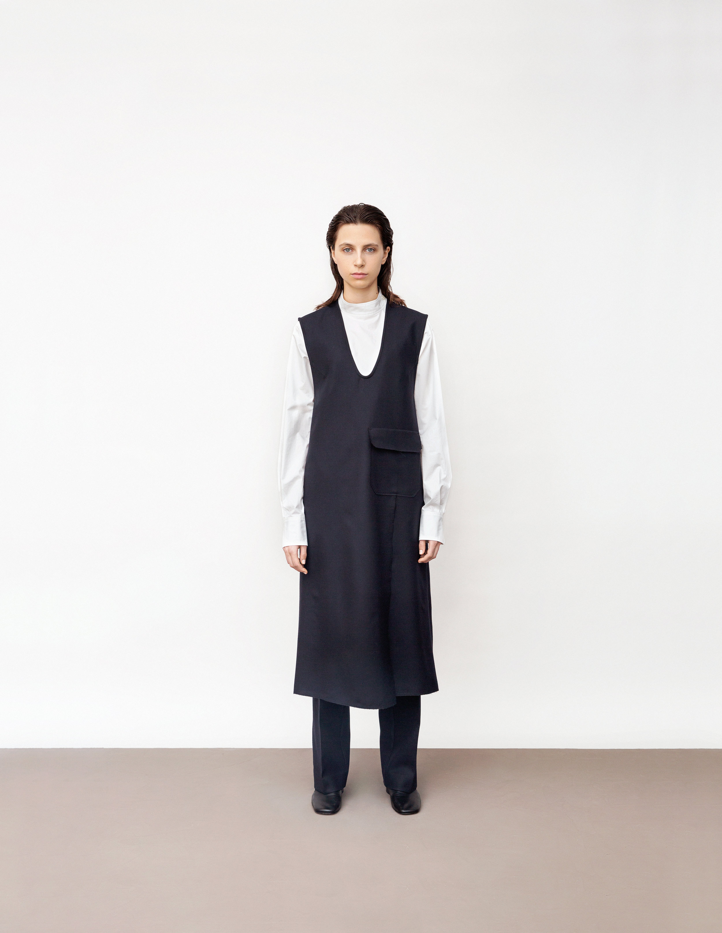 <b>3</b><br>Penelope poplin shirt<br>Scarlett compact wool pants<br>Simone compact wool dress