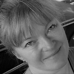SALLY SHARF  CEO, Sharf & Co. Stresscoach og redaktør.   Tlf. 40 78 12 66 Mail: sally.sharf@bemermail.com Mail: sharfogco@gmail.com  Samarbejde m.  Smerteklinikken i Bagsværd.  Har mere end 30 års erfaring med formidling, værdiskabelse og forandringsprocesser.  BEMER Partner siden 2017. Medejer af Bemer Center Copenhagen.