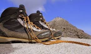 How to choose the best footwear for your hike -