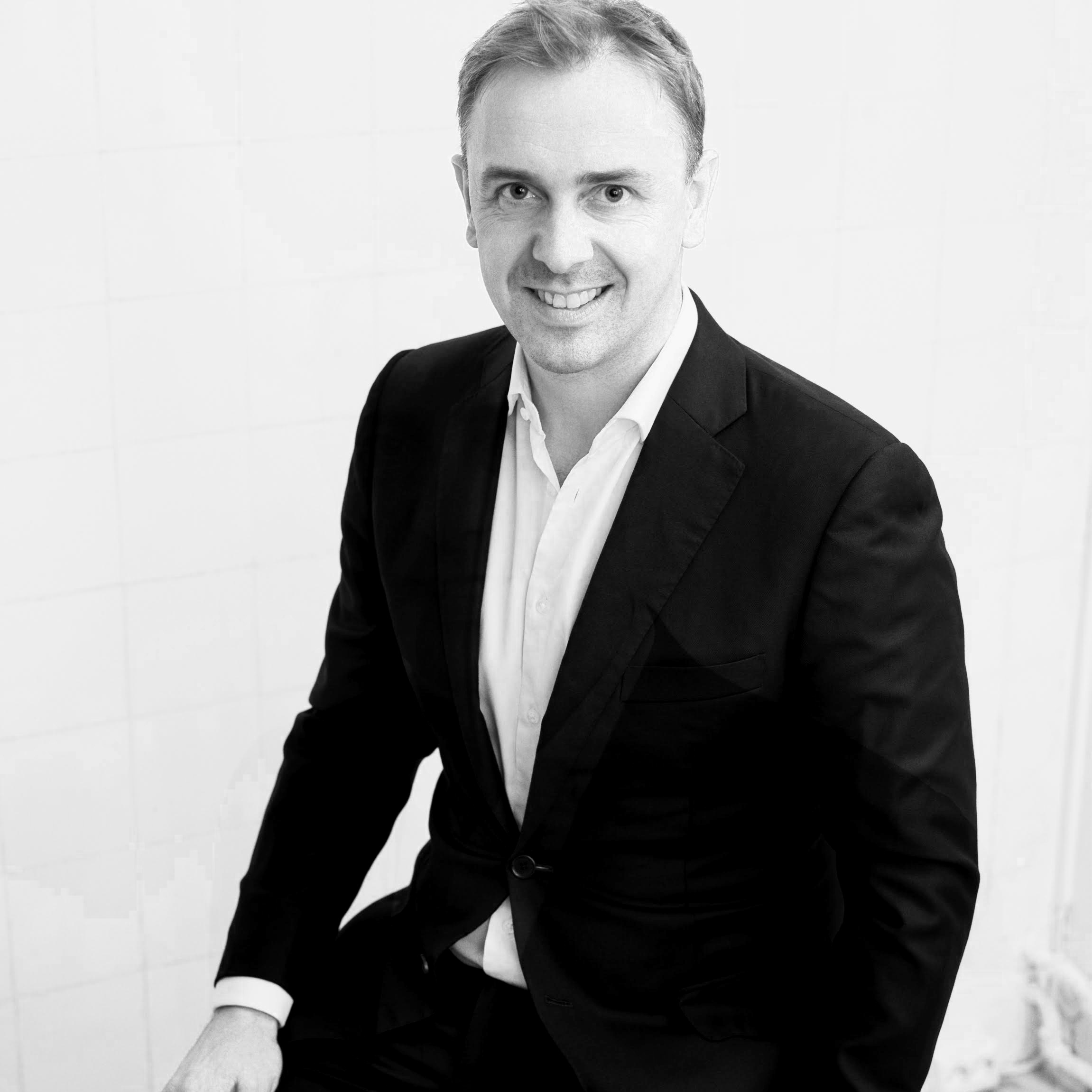Frank Svenfelt has seven years experience managing renowned Finnish fashion brand Samuji. Prior to that he was in finance.