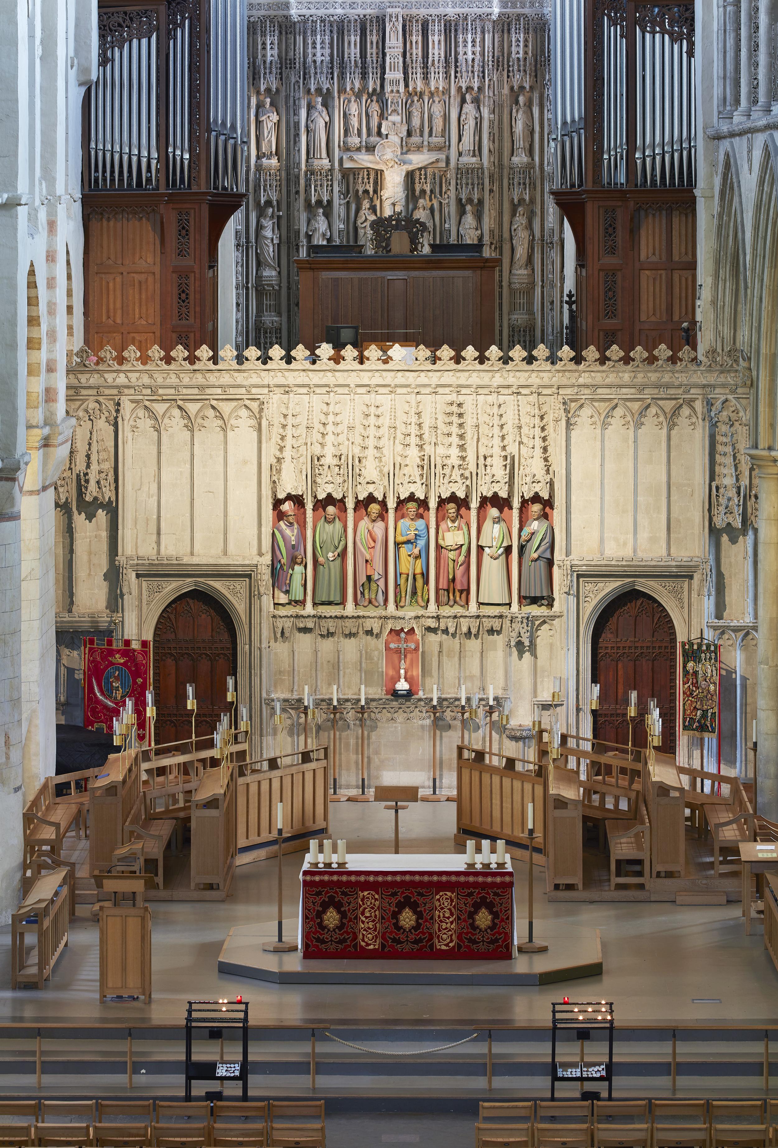 Nave Altar.jpg