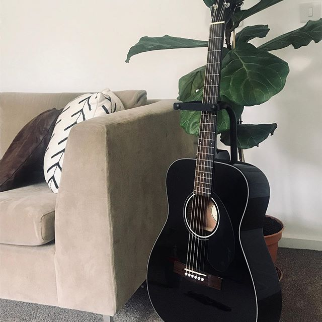 "Eeeek!!! Super excited, just brought this sexy Guitar from Music Bros!! I've always wanted to learn how to play ""black birds"" by The Beatles & ""Billie Jean"" by Micheal Jackson but acoustic style!! Never be afraid of being a beginner. 🎼🖤🎸 #guitar #acousticguitar #beatlesblackbird #billiejean #guitargirls"