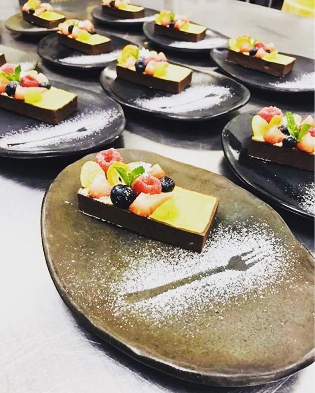In the shock of receiving such a delicious looking dessert, you seemed to have dropped your fork. 📸:@chefjeandelgado