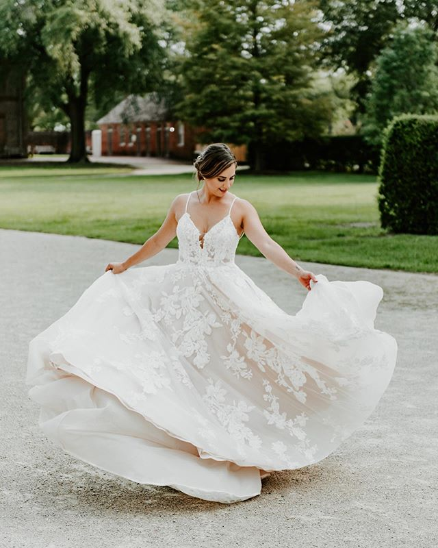 Happy Friday! Let's take a moment to appreciate the superior dress twirling skills on full display here 👏👏 Here's a few more shots from the beautifully styled shoot at the Tryon Palace in New Bernearlier this week. I still want a slice of that cake, just saying.  Also, I just noticed there's a visible fly in one of these photos. I could edit it out, but where's the fun in that. See if you can find it. If you do, you get a highly coveted gold⭐️😂 Host: @adorncollectiveworkshops  Stylist: @the_prettiest_pieces  Venue: @tryonpalace  Tabletop:  @partymakerseventrental  Furniture Rentals: @the_prettiest_pieces  Dress: @simplystunningbydivas Paper Products: @prettywrittenthings Shoes: @bellabelleshoes Floral Design: @jerryegordonevents  Desserts: @swankysweetsbakeshop  Beauty: @hunterksanders  Ribbon & Styling Details: @brassandbumblebox Models: @annechristianwall + @twistedyogibear