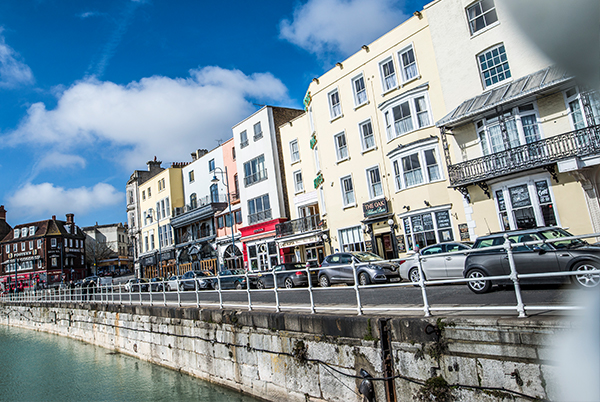 The Oak Hotel - An ideally located seafront hotel on Ramsgate harbour. A short walk from the beach. Food available all day.66 Harbour Parade, Ramsgate CT11 8LNTel: 01843 583 686oak.reception@thorleytaverns.co.ukwww.oakhotel.co.ukFood Served | Cask Ales | Live Sport | Rooms