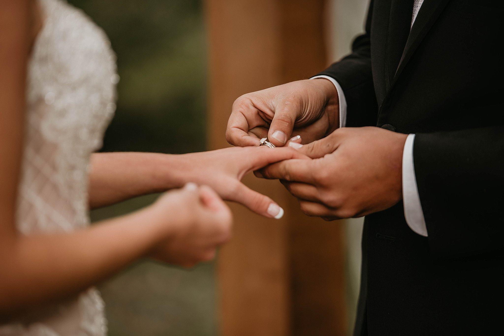DesMoines-Iowa-Wedding-Photography-Destination-Photographer_0120.jpg