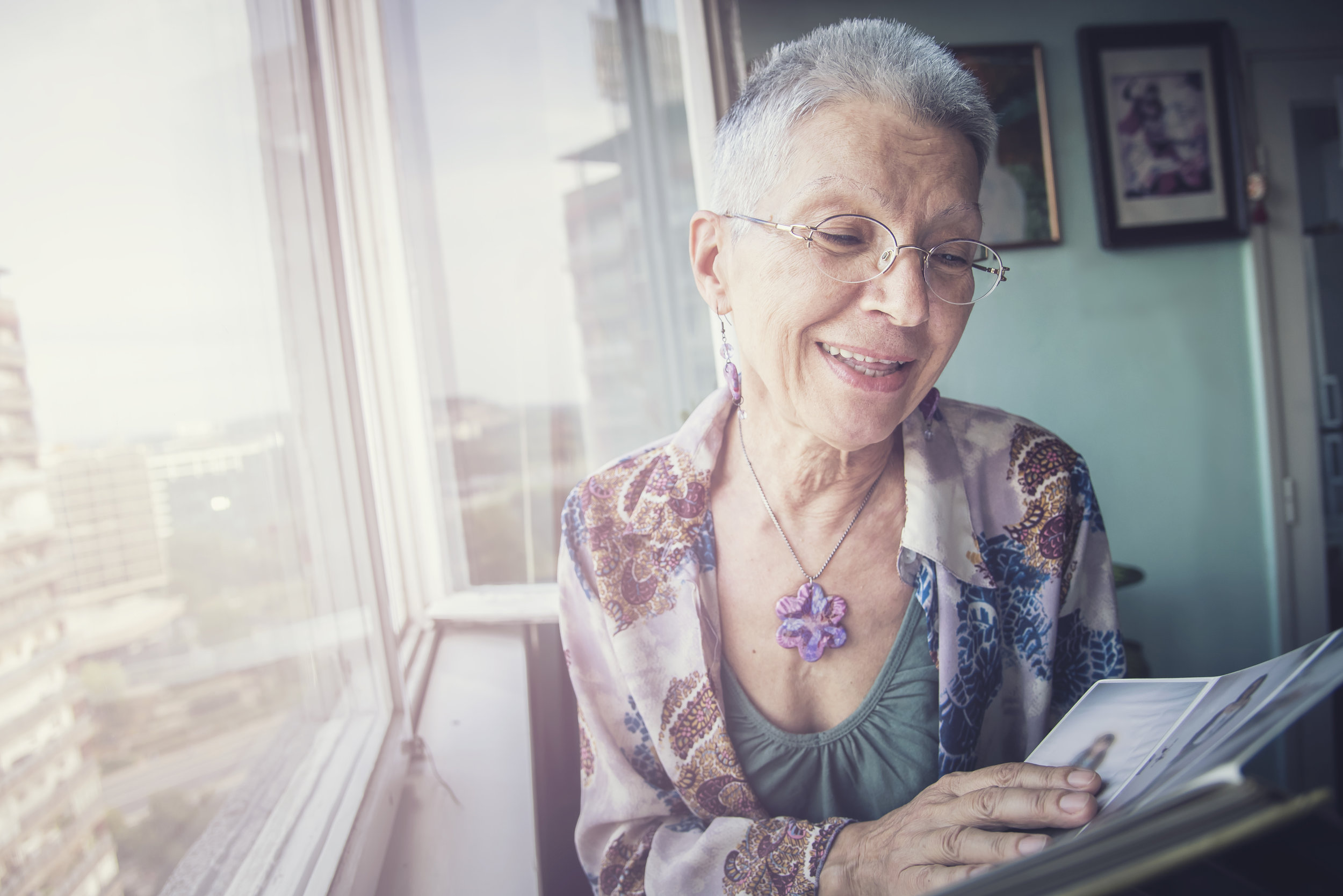 using old photos to remember your life stories can be effective memory prompt