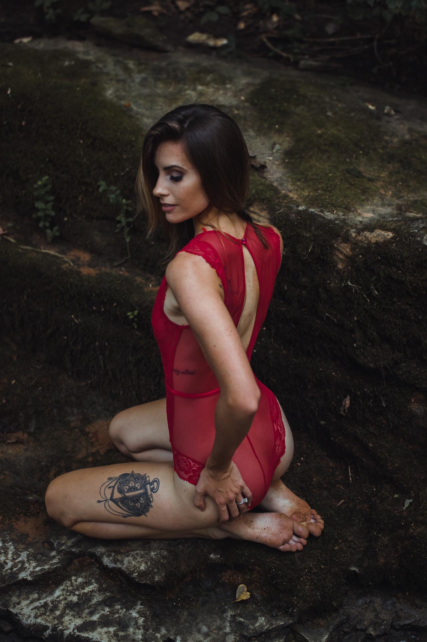 kneeling boudoir pose