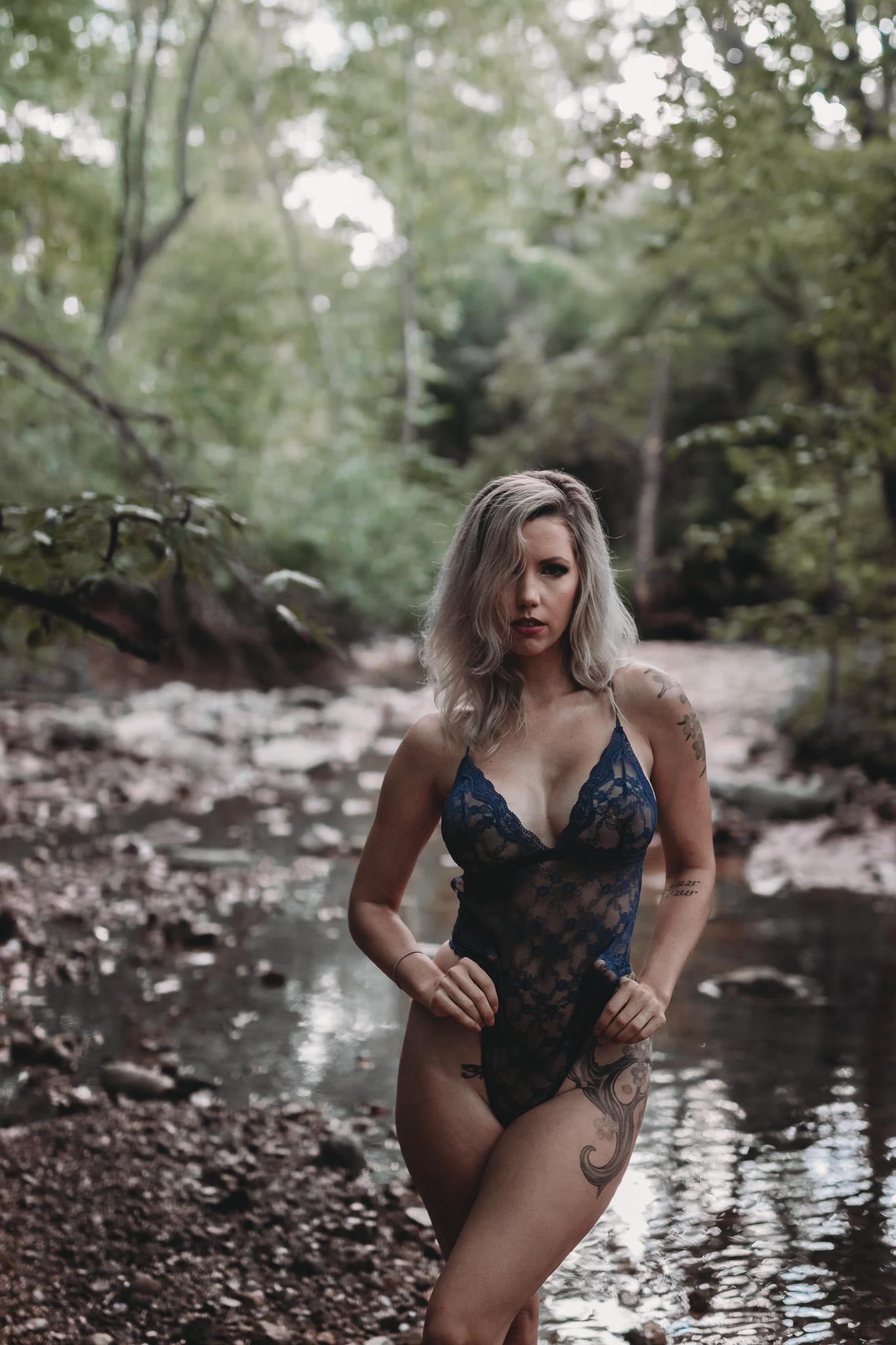 water outdoor boudoir girl standing pose