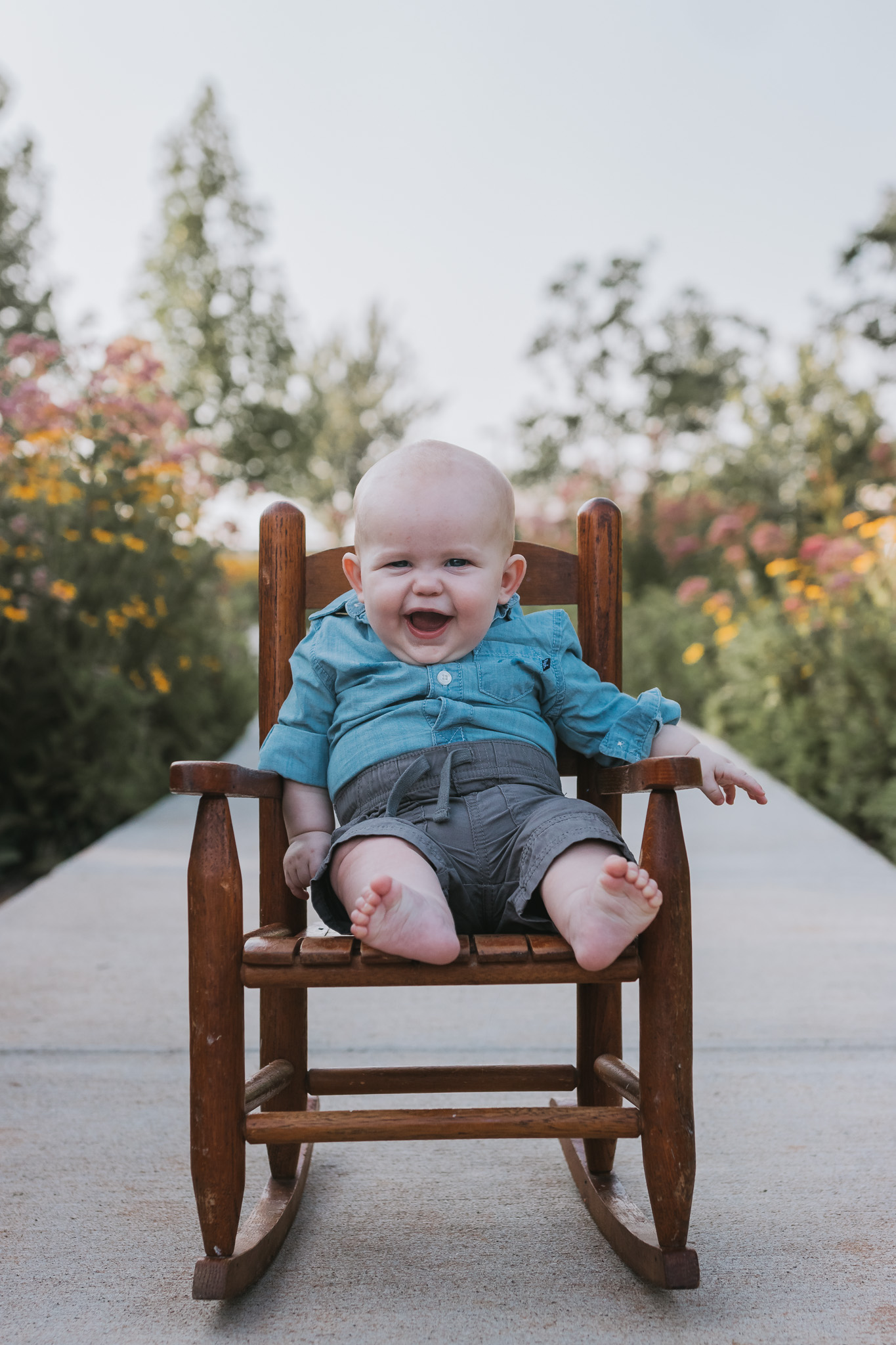 six month old milestone session