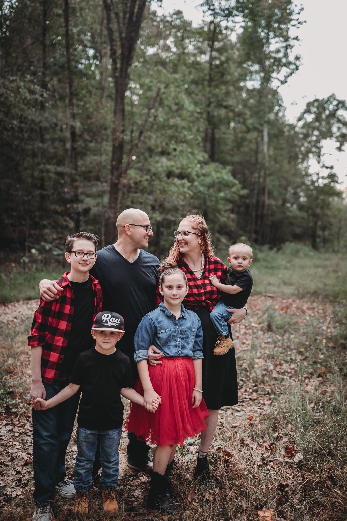 family of 6 posing ideas