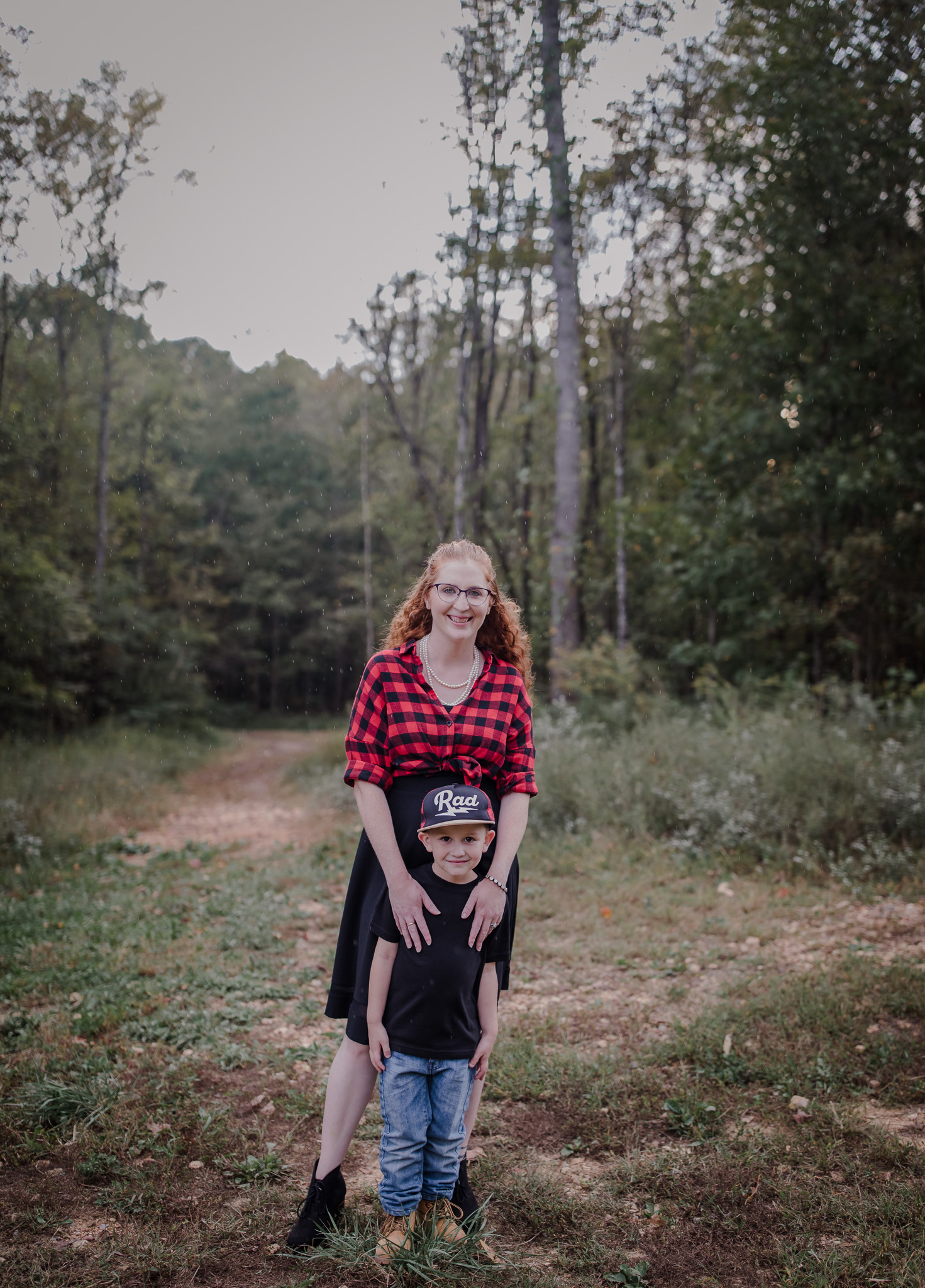 mom and toddler posing idea