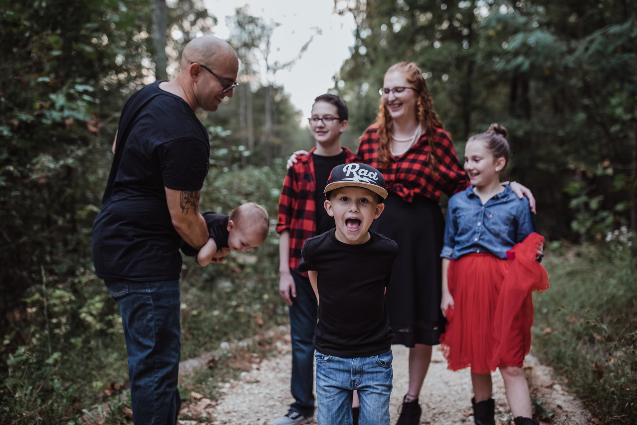 family of six fall family photo outfits