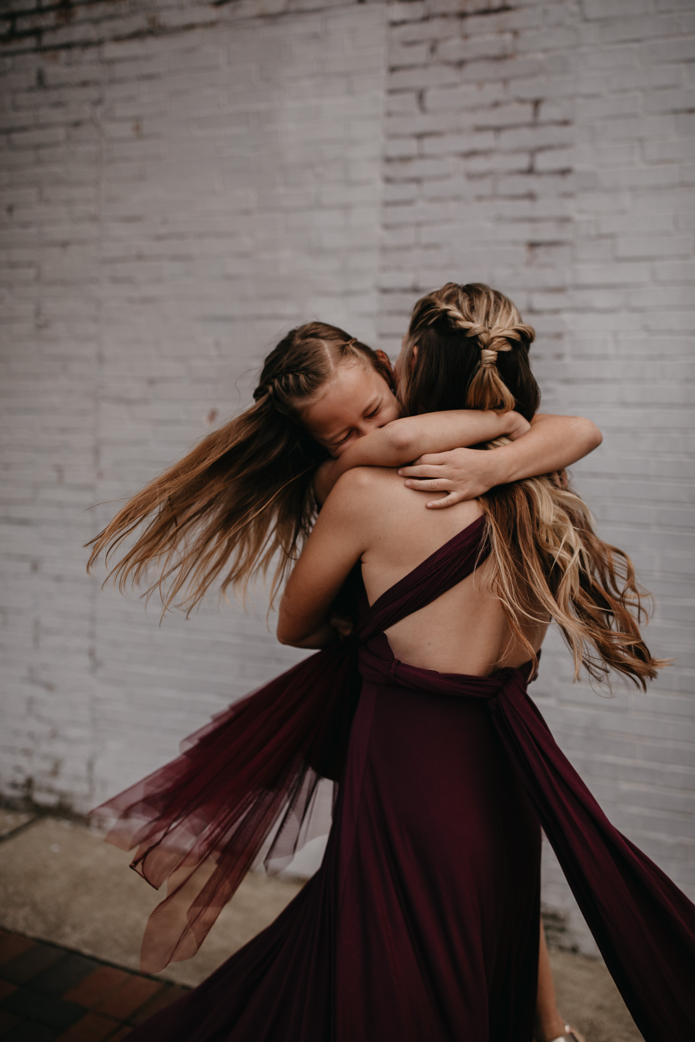 mom dancing with daughter