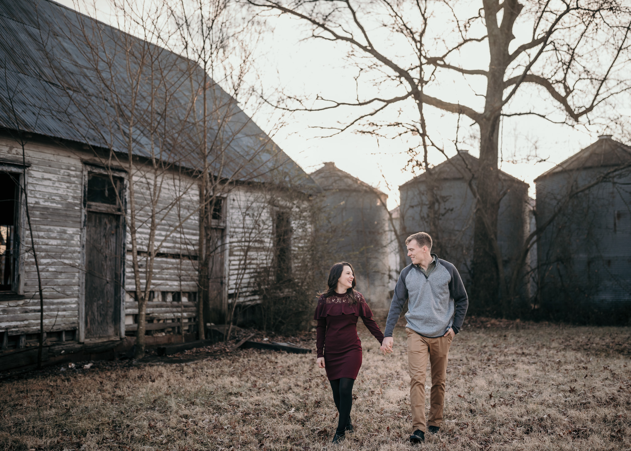 photographer in Clarksville, tn specializing in lifestyle engagement and family photography in the clarksville, tn and fort campbell, ky area
