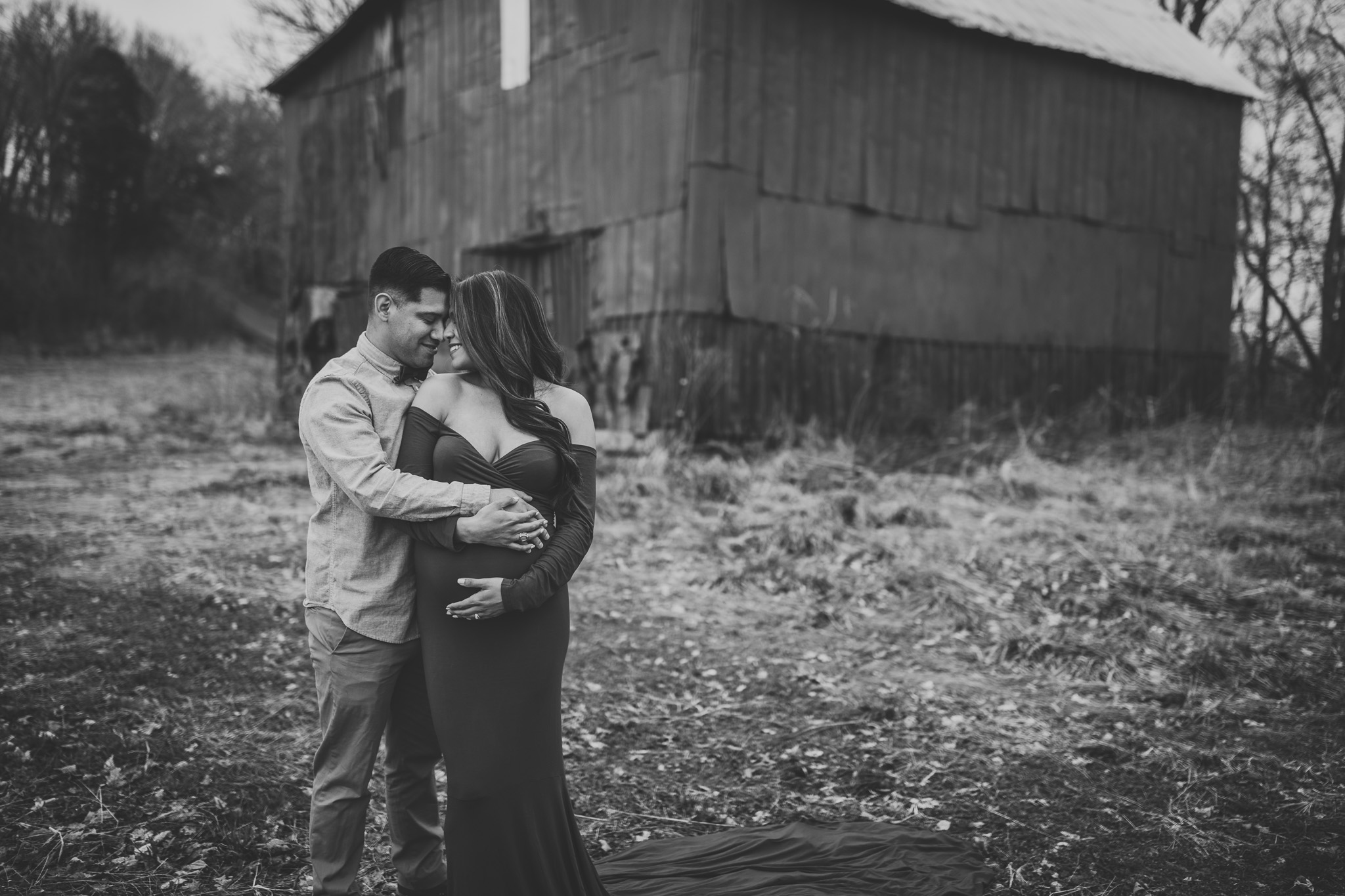 maternity session outdoors