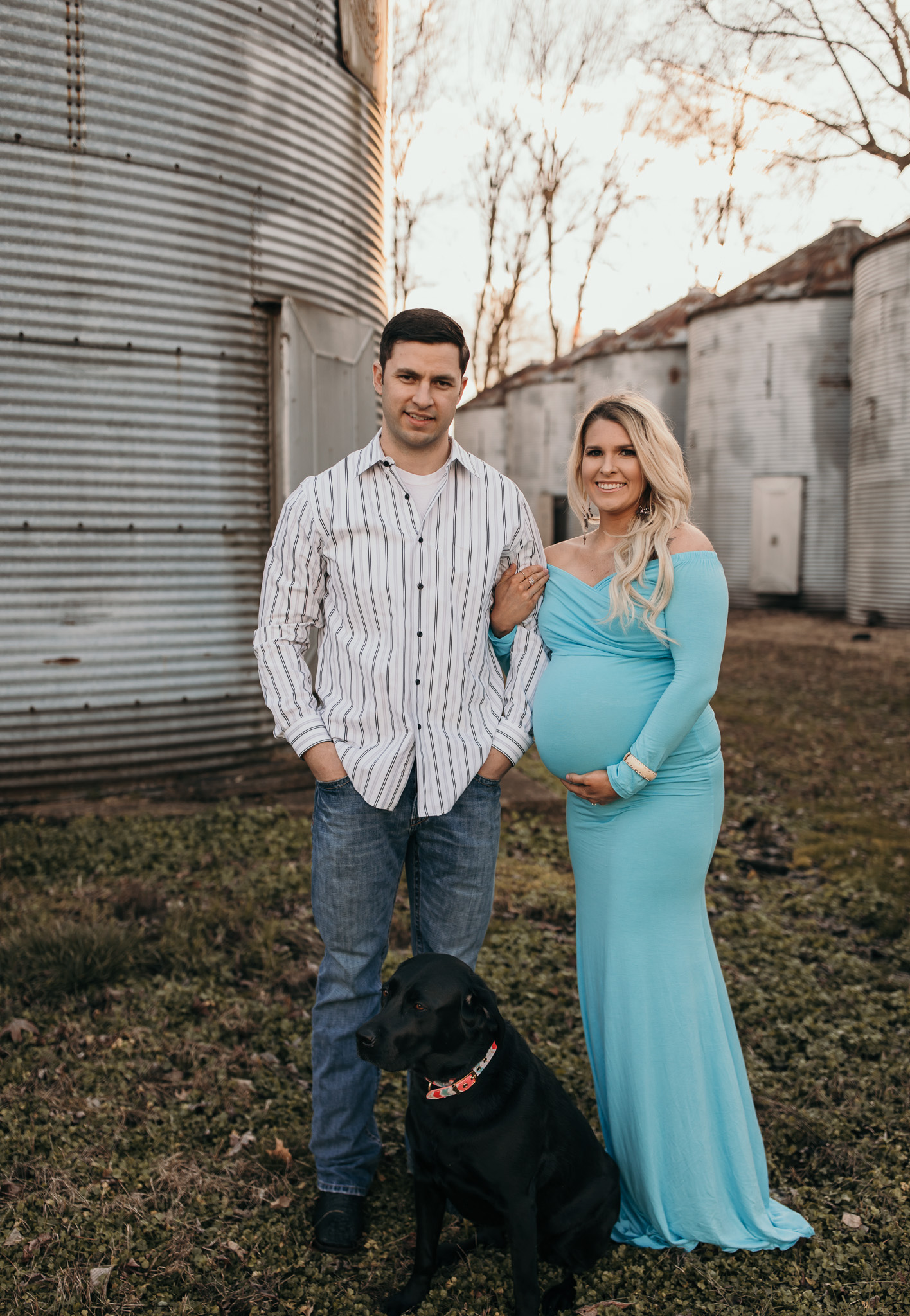 Maternity family photo with pup