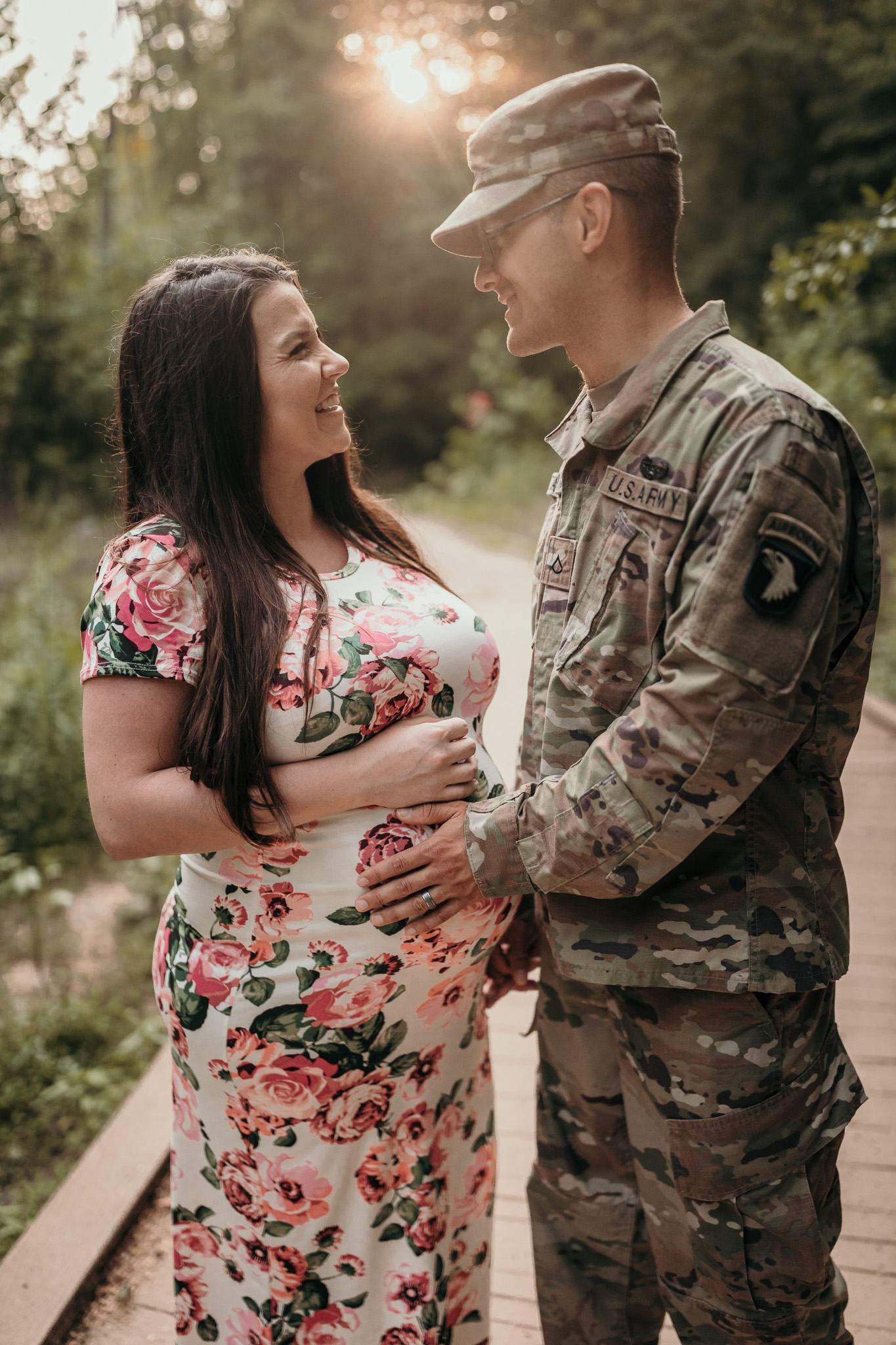 maternity photo with army uniform