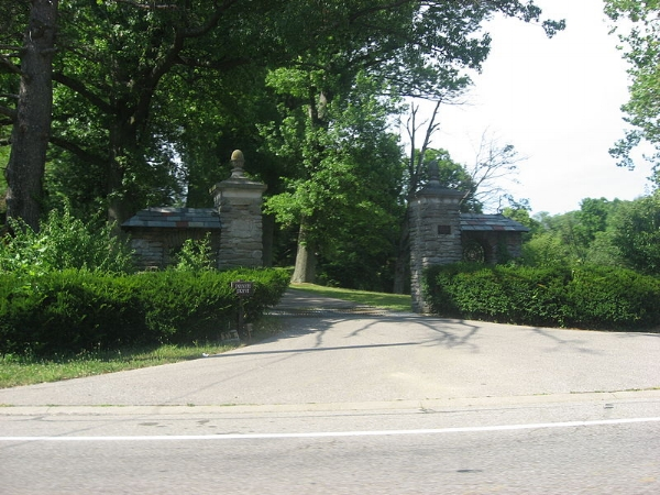 No gate! An open driveway allows anyone access to the property at any time.