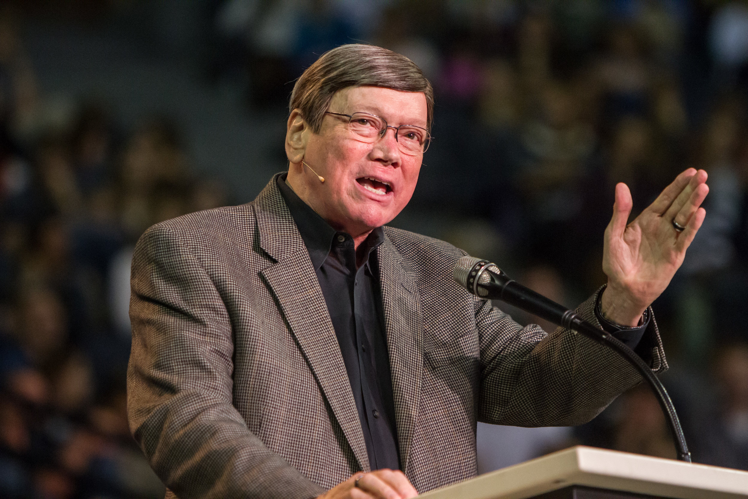 Dr. Ed Hindson proclaims prophetic Biblical teachings through series such as: Revelation in One Hour, Can We Still Believe in the Rapture, Jesus of the Bible, and so much more! -