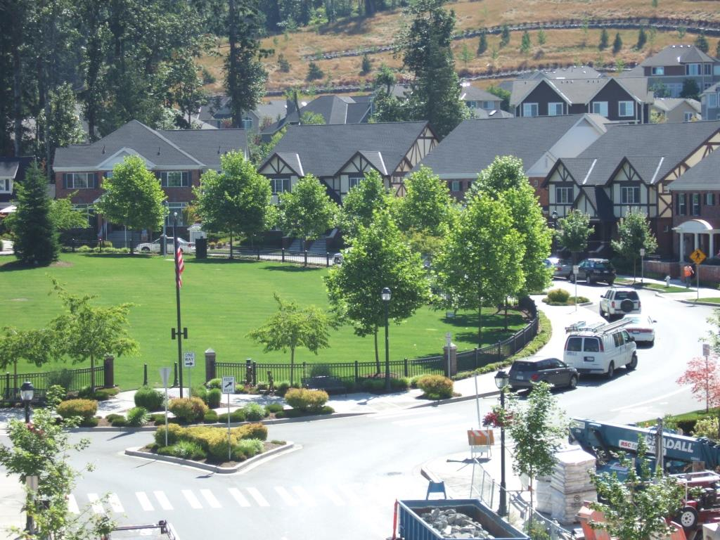 Issaquah Highlands - Village Green