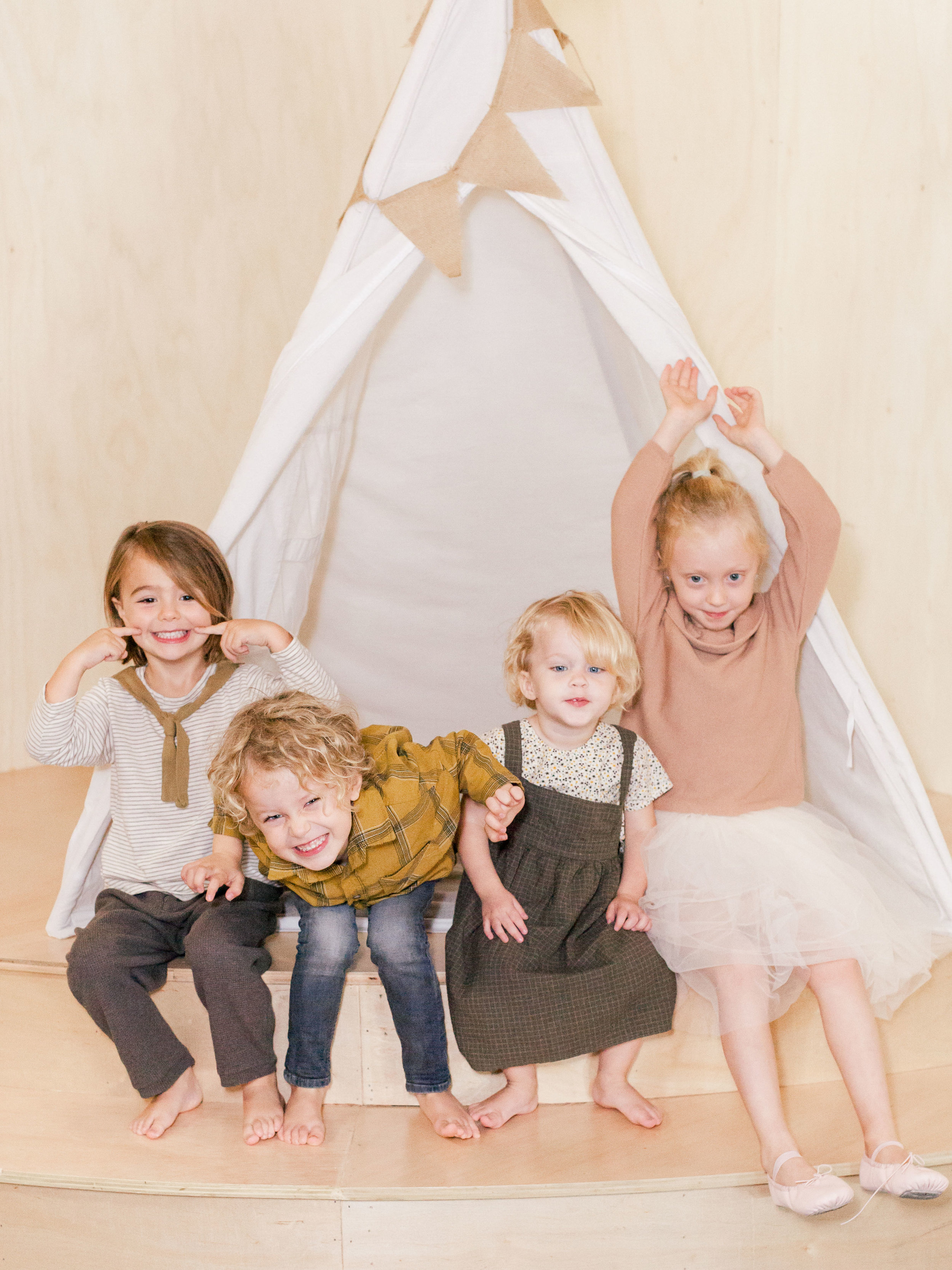Oui Party Thanksgiving - teepee 1.jpg