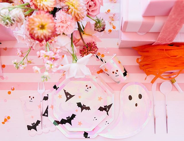 Halloween doesn't always have to be scary!  These little die cut ghost plates add just the right amount of spooky whimsy to our set up ✨