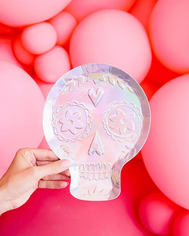 Love the embossed texture on these new sugar skull plates.  It's all in the details ✨✨