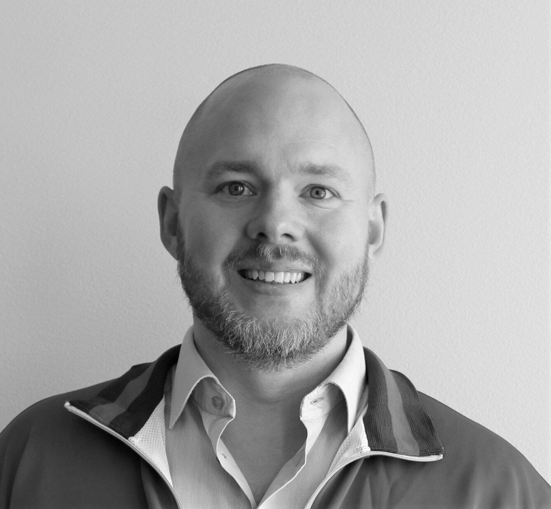 """""""Vi letade efter en plattform där vi kunde utbilda och kommunicera på ett sätt som engagerade våra medarbetare."""" - - Johan Larsson, Global Training Manager på O'Learys"""