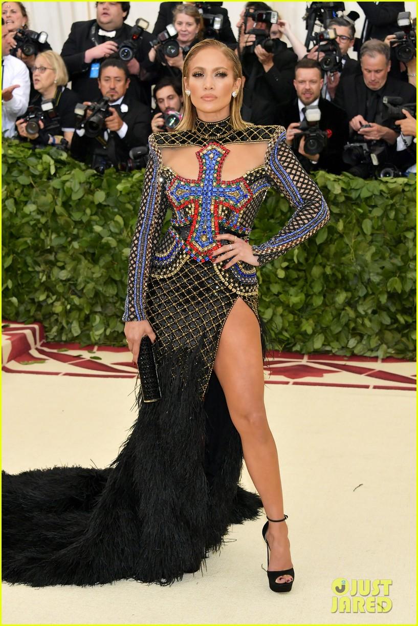 J LO , wearing Balmain  She's my queen.