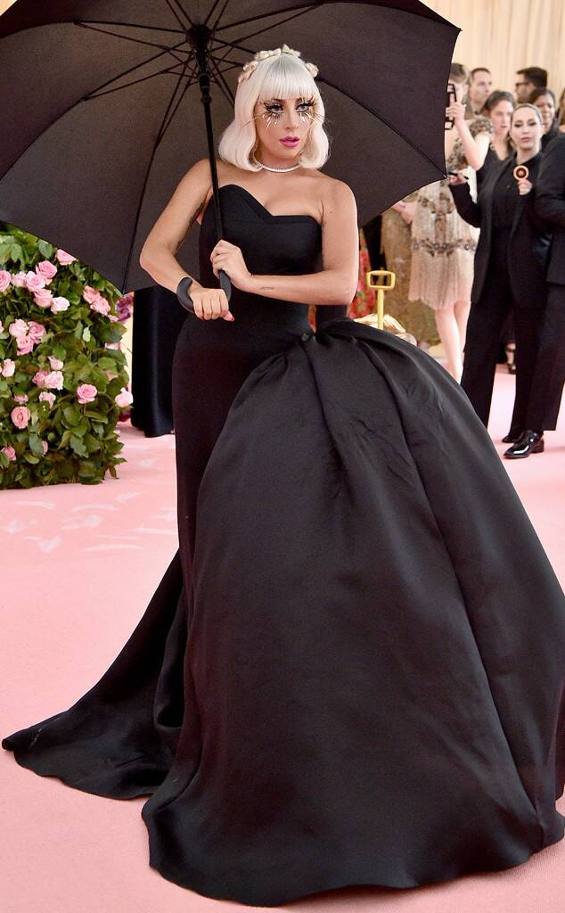 rs_634x1024-190506144028-634-2019-met-gala-red-carpet-fashions-lady-gaga-black.jpg