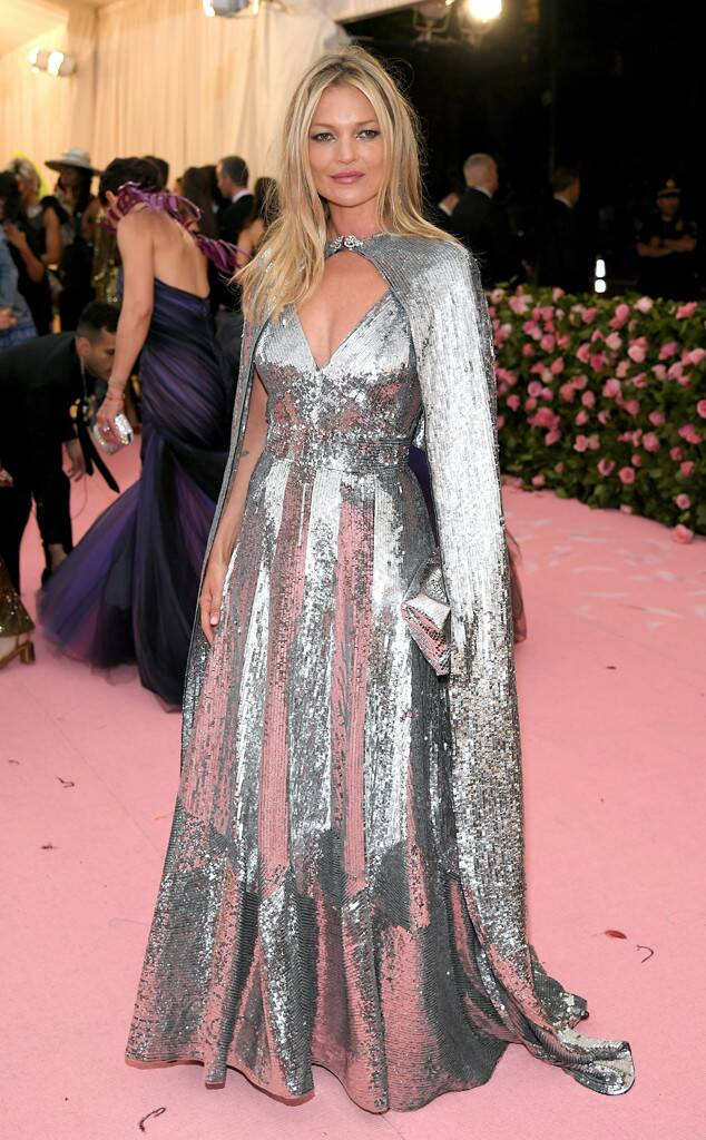 rs_634x1024-190506174819-634-kate-moss-2019-met-gala-red-carpet-fashions.jpg