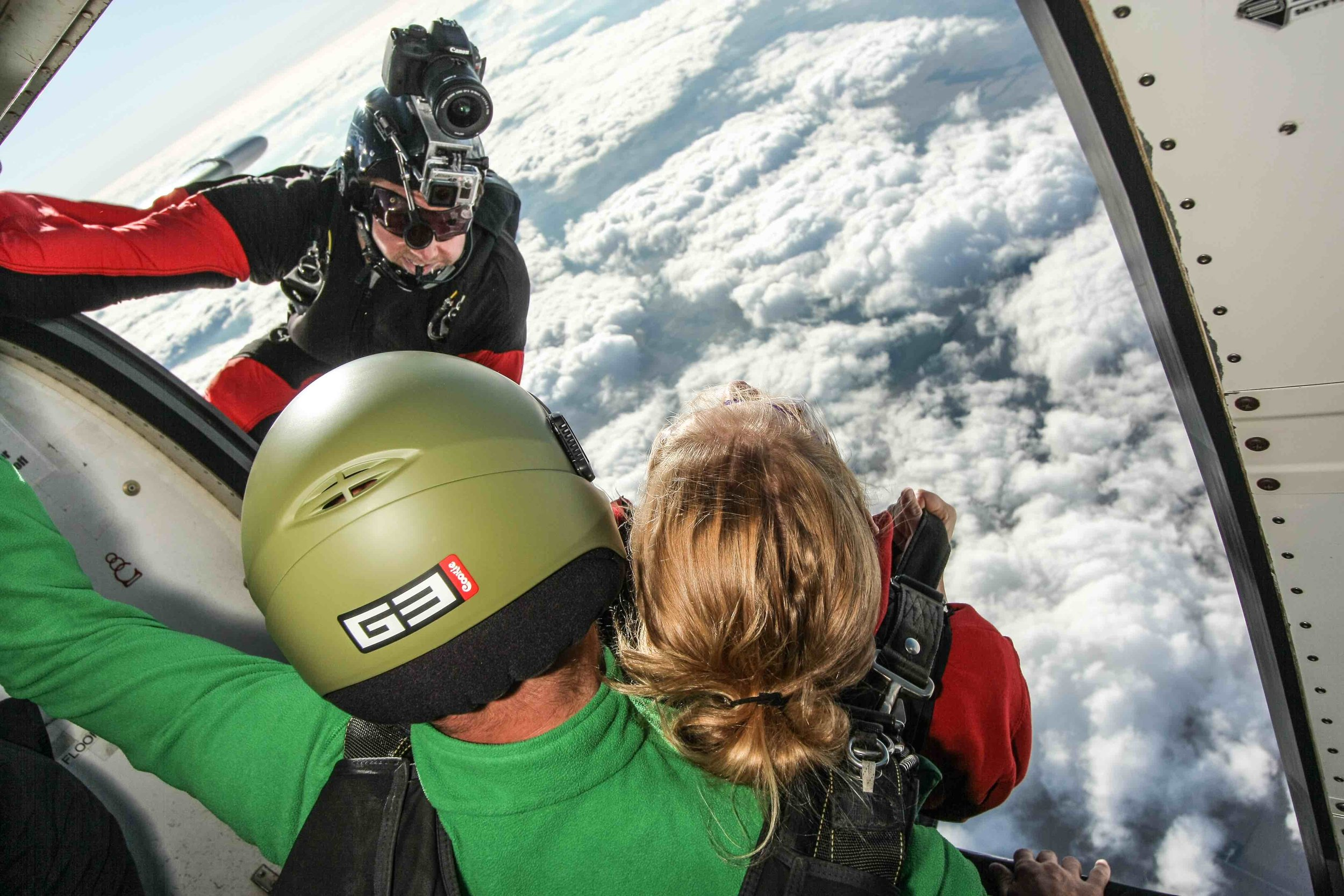 skydive videographer in action