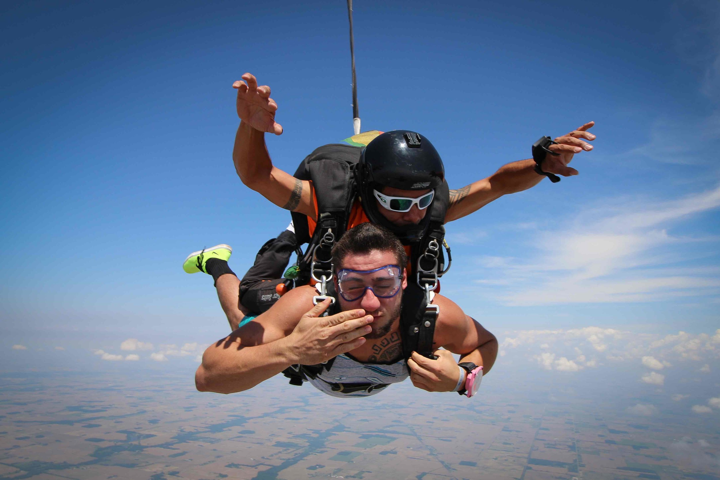 Blow your skydive videographer a kiss