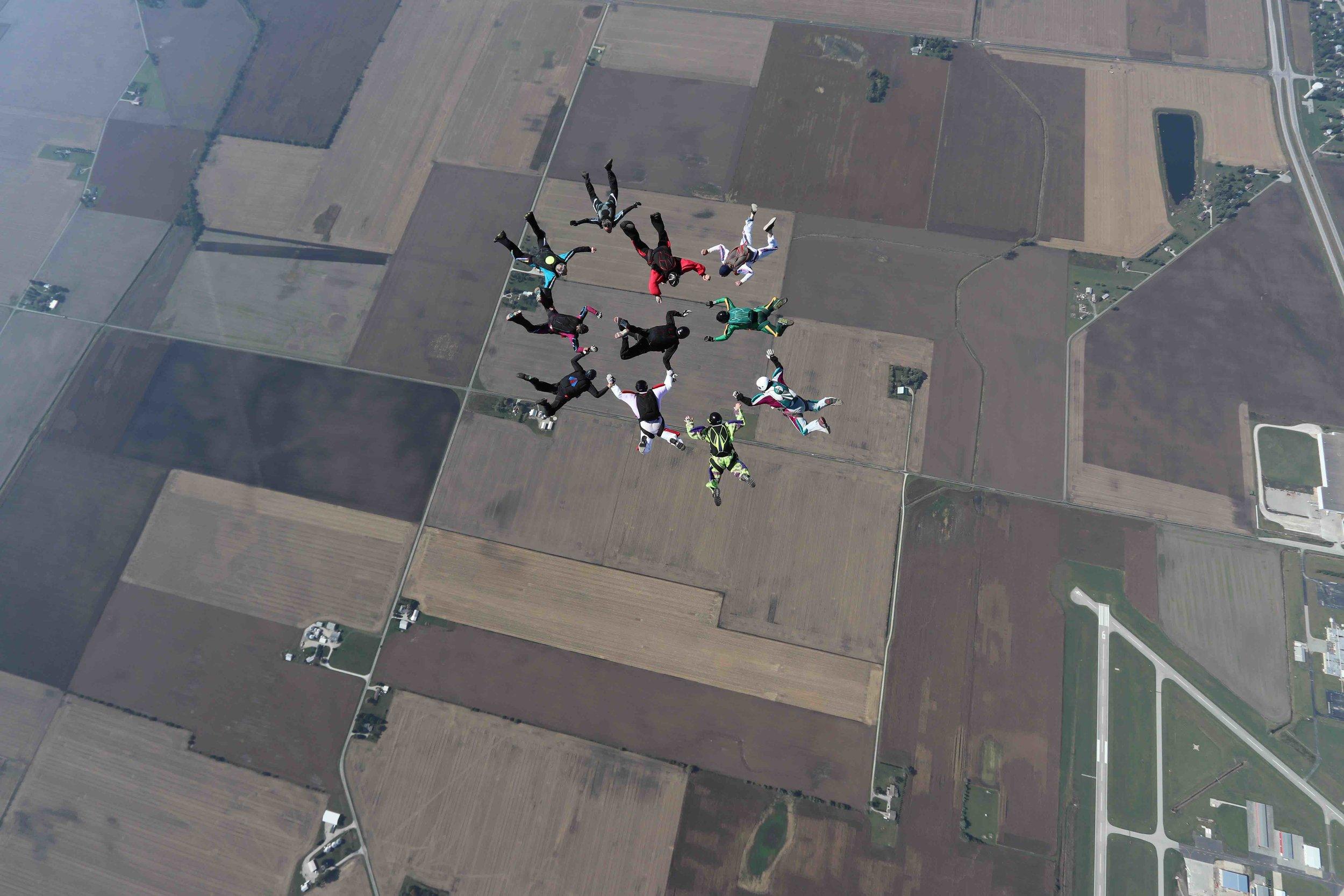 Skydive record at Skydive Indianapolis