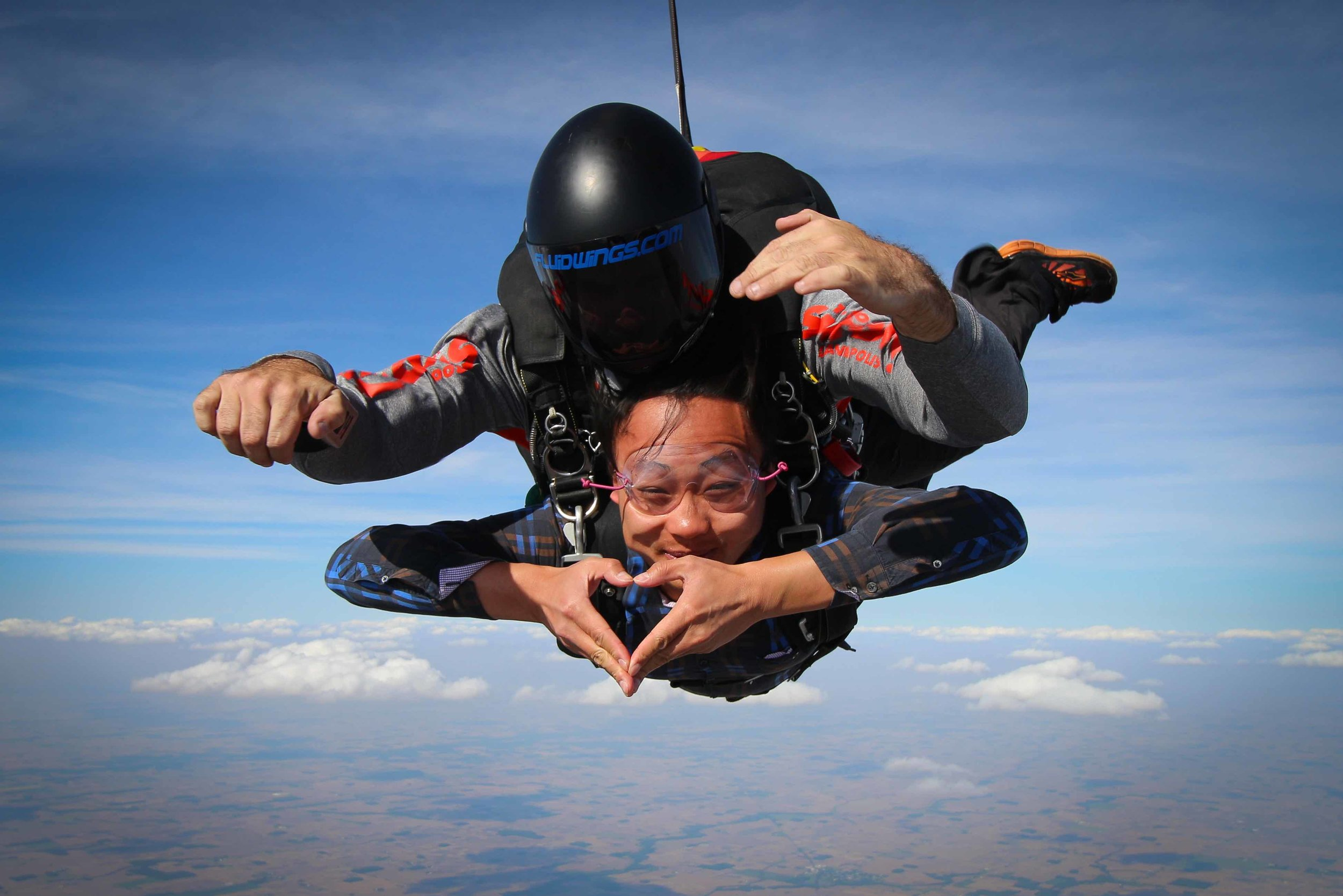 Make a heart during free fall