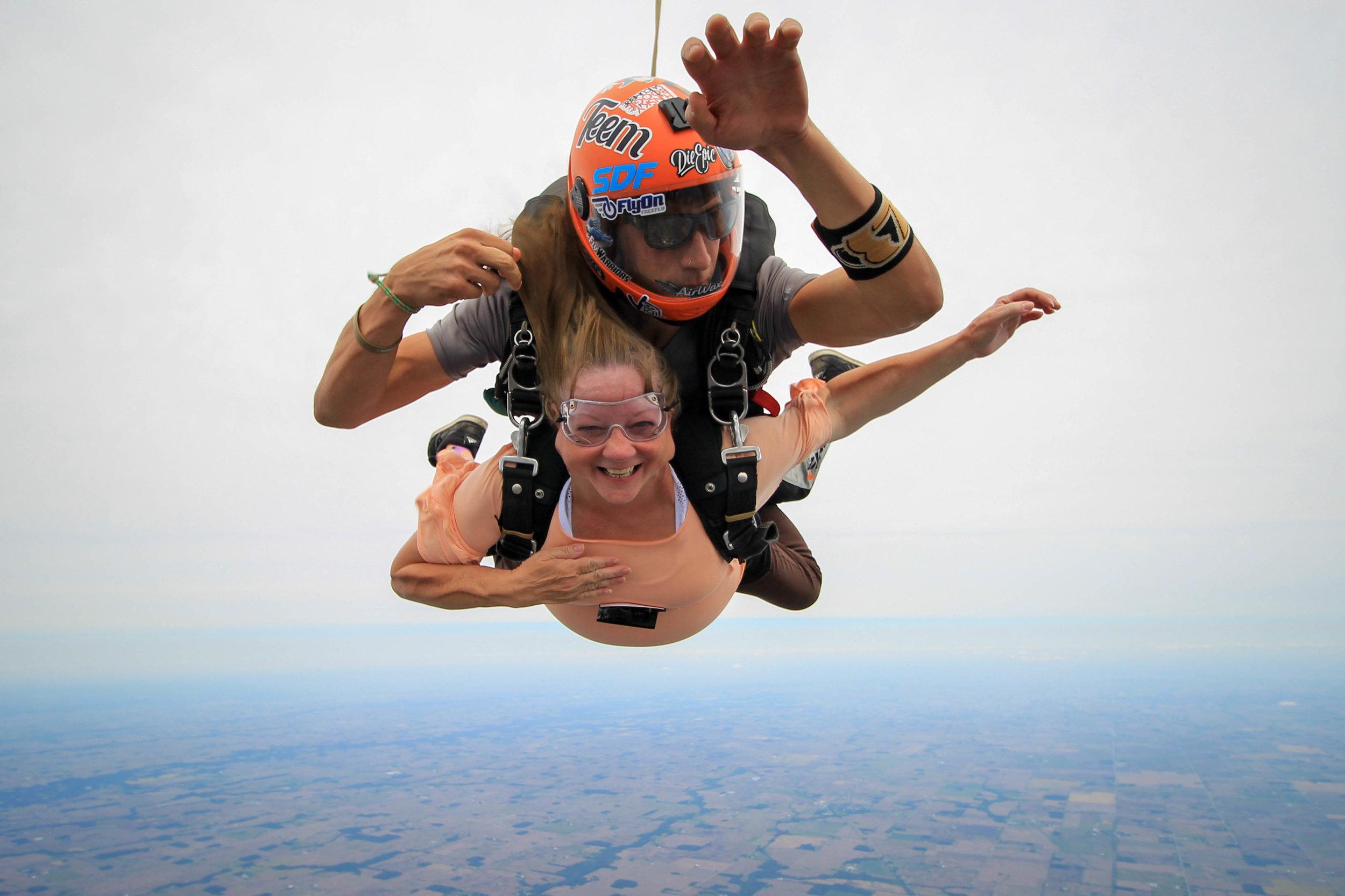 tandem skydive, tandem student Dana