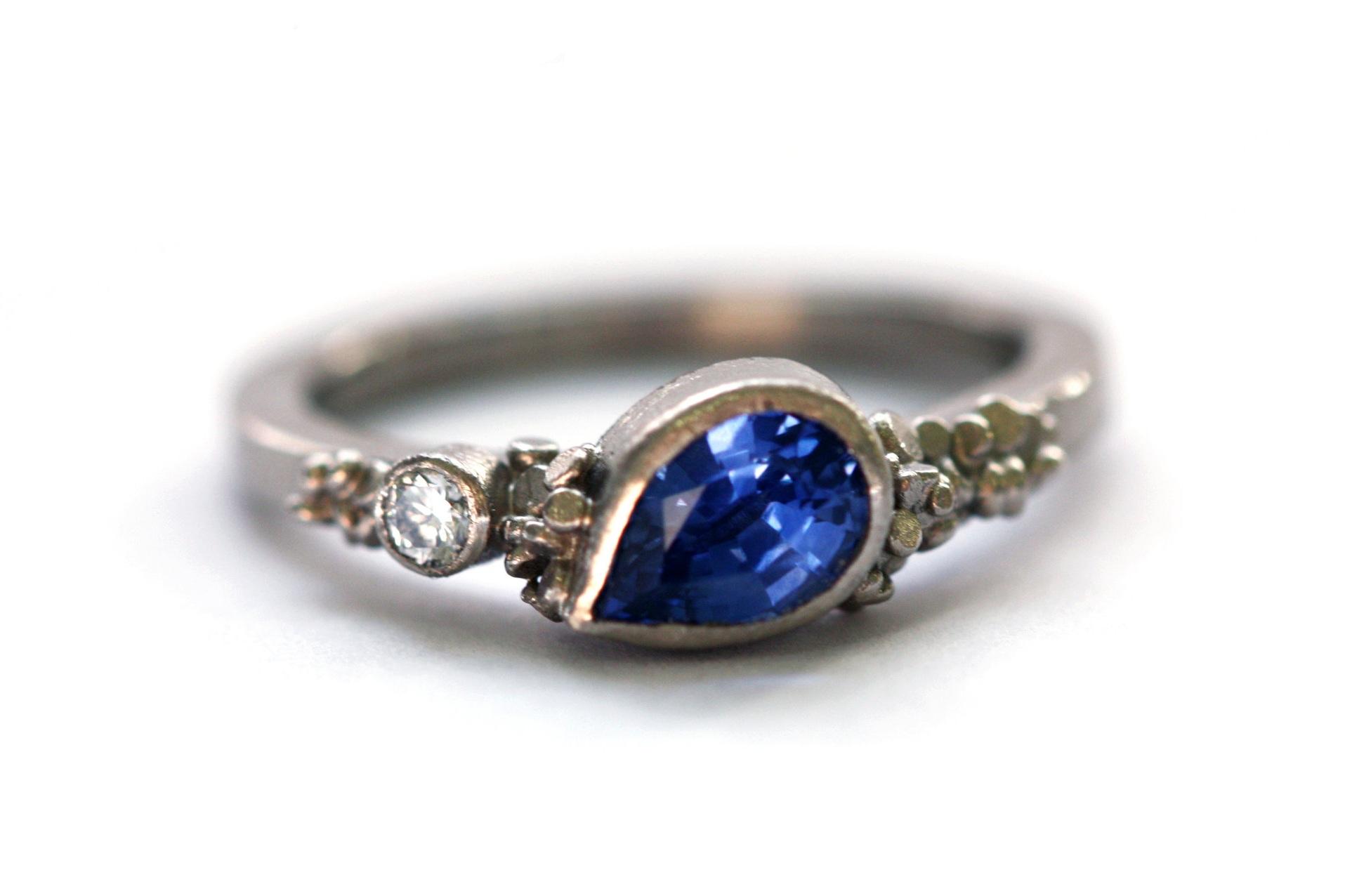 Sapphire+Speckle+Ring+18ctW.jpg