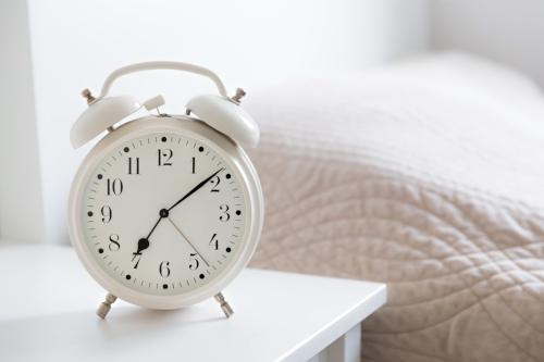 alarm-clock-P3C22RZ.jpg