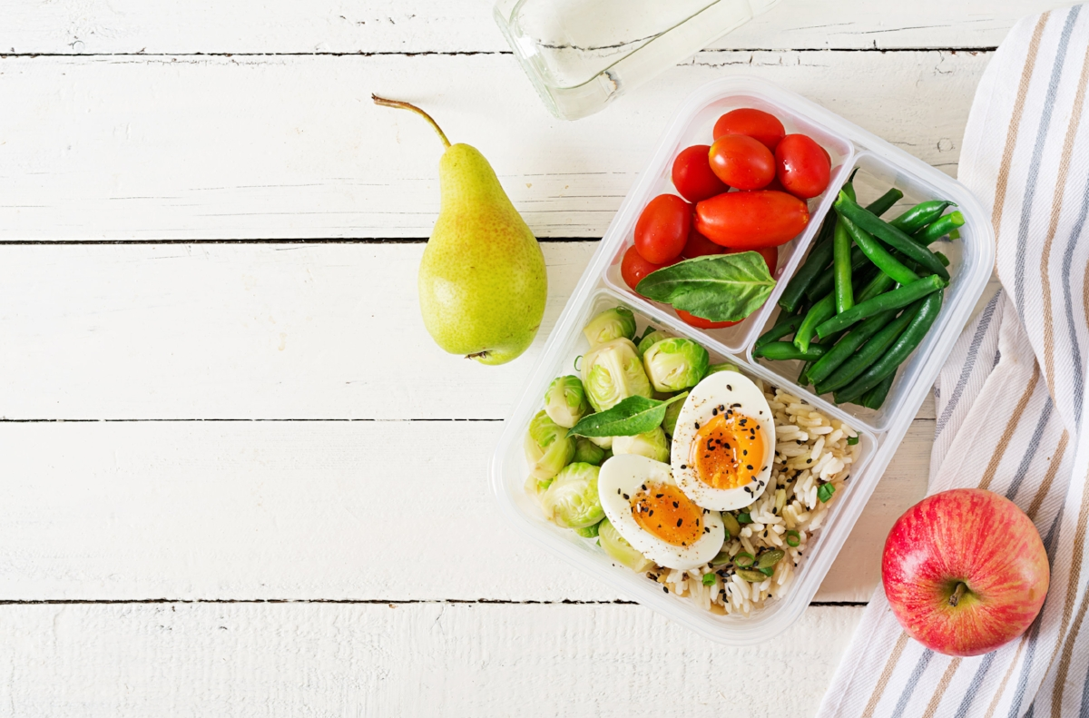 vegetarian-meal-prep-containers-with-eggs-brussel-U2FS6PM.jpg