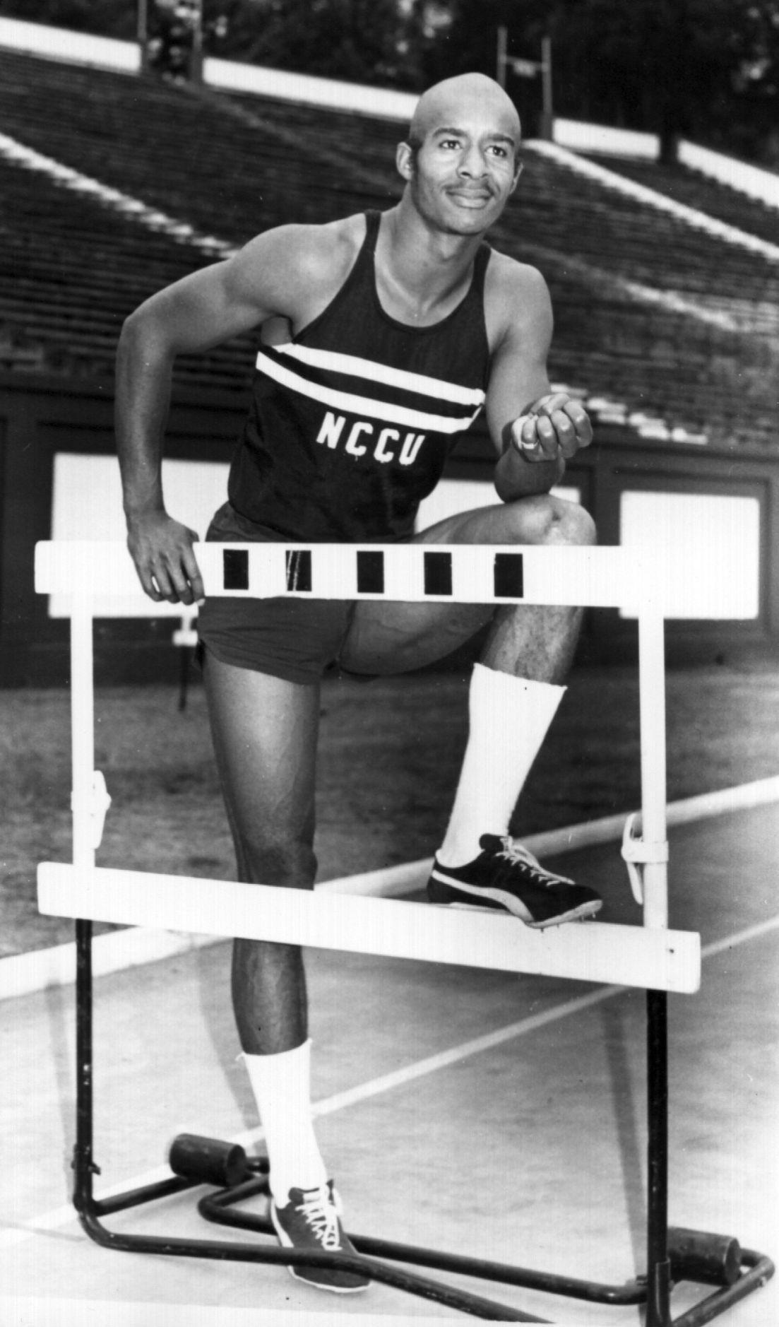Charlie Foster at hurdle.jpg