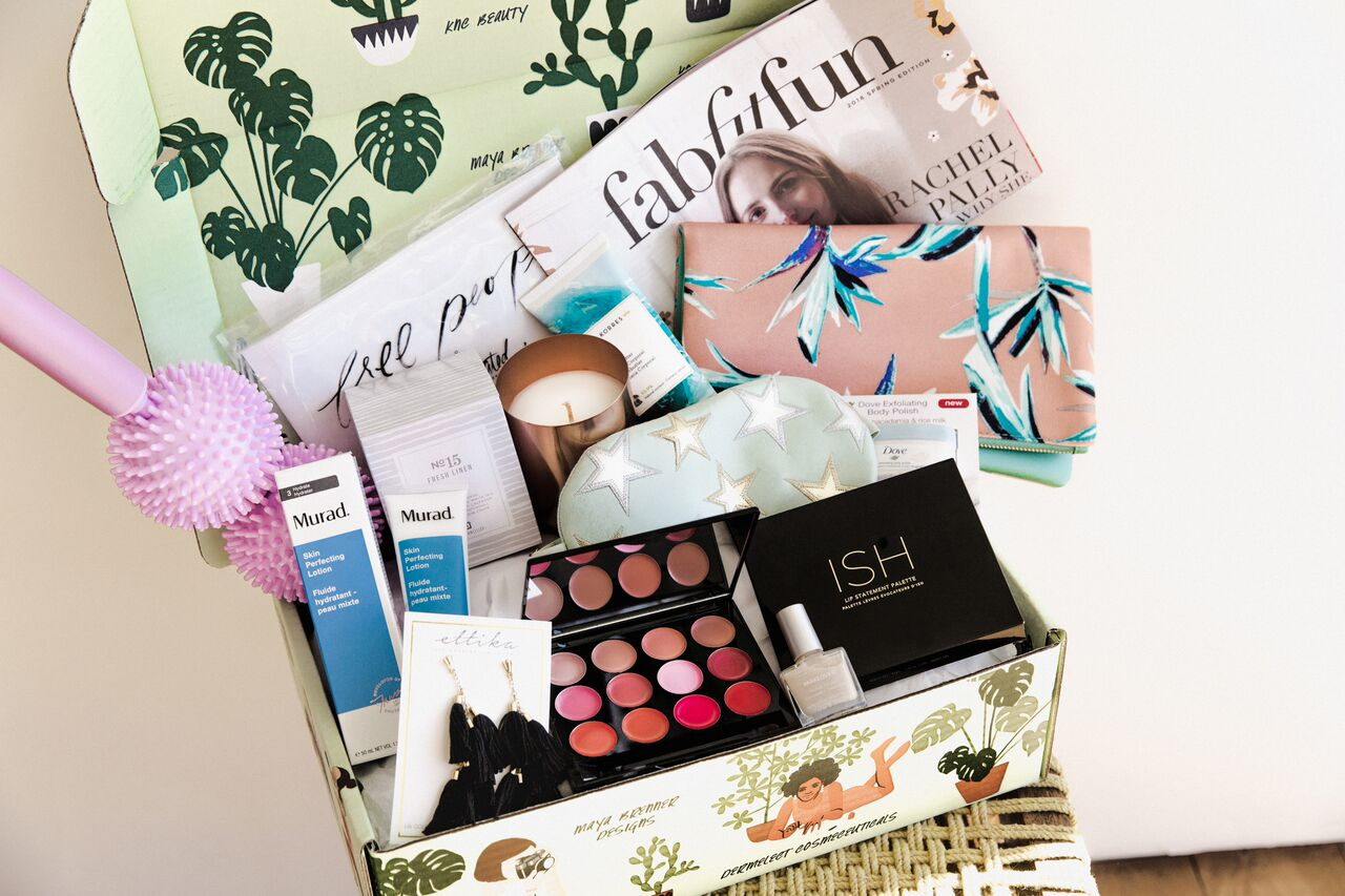 Fabfitfun  spring box 2018, use code WELCOME10 for $10 off your first box!