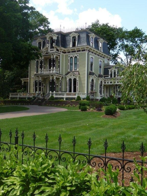 Silas W. Robbins House Bed and Breakfast.jpg