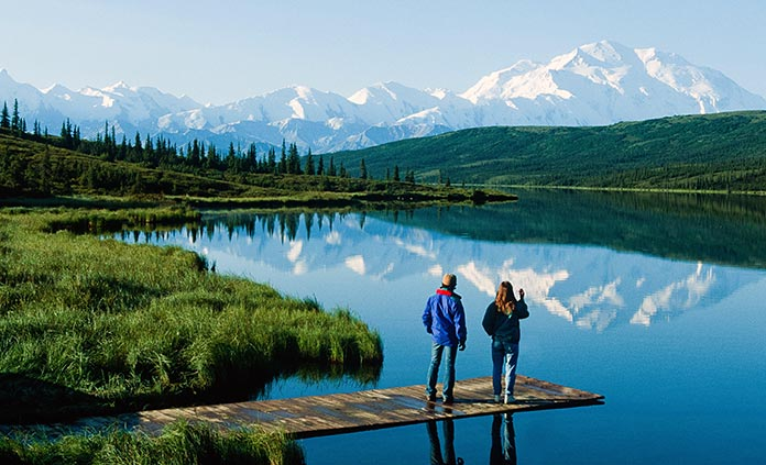 Denali National Park Walking & Hiking Tour - Roam the untamed landscape of majestic Denali, icon of the Alaska wilderness, while keeping an eye out for wildlife like gray wolves and grizzly bears.